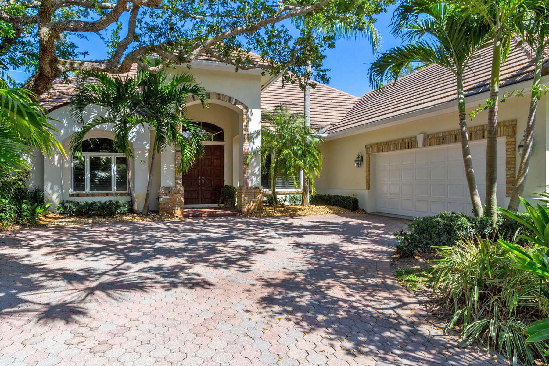 Casa para uma família para Venda às Indian River Shores Gem 130 N White Jewel Court Vero Beach, Florida, 32963 Estados Unidos