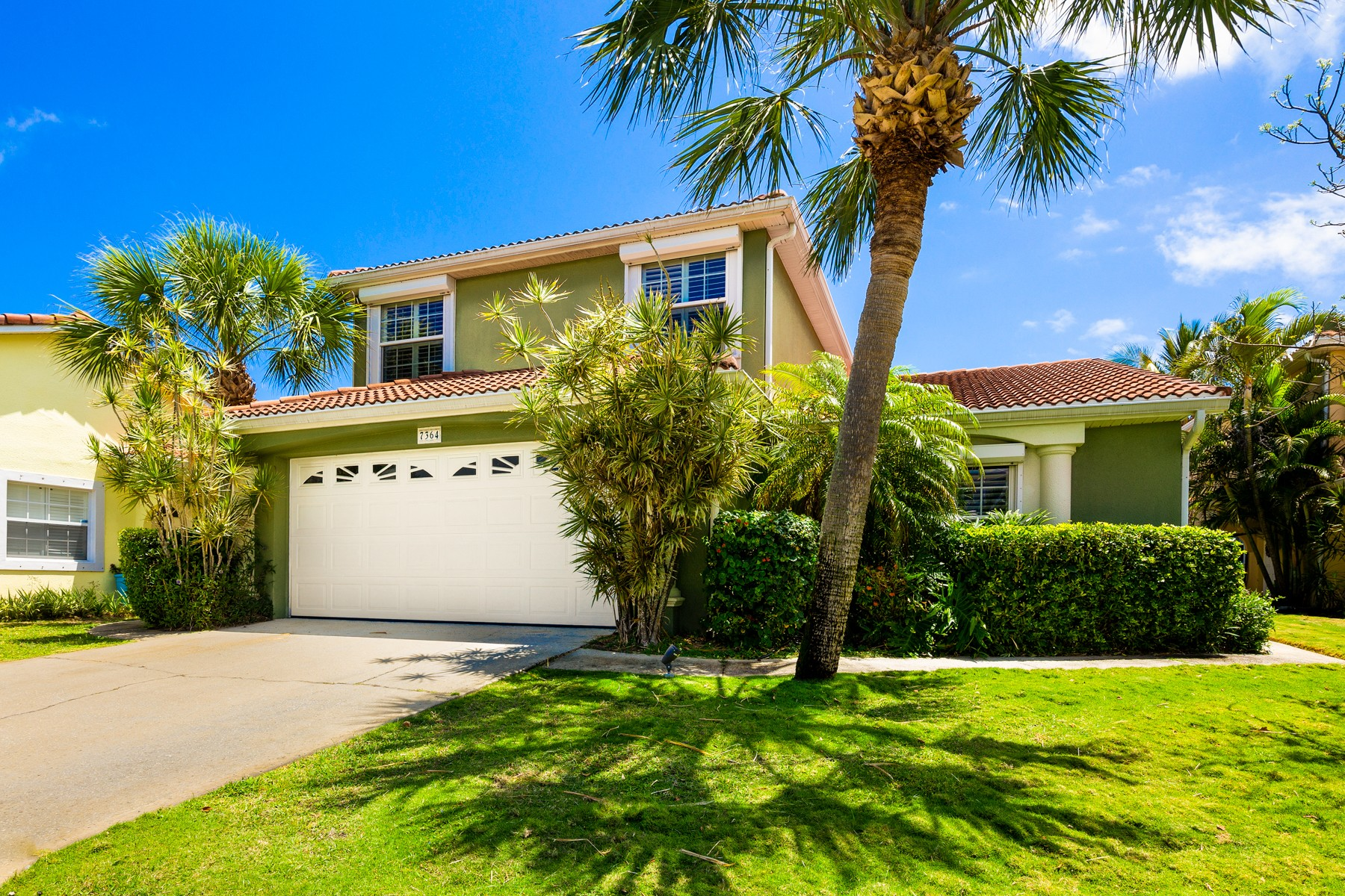 Single Family Homes for Sale at Beautiful & Tropical Pool Home in Quiet Location 7364 Stuart Avenue Melbourne Beach, Florida 32951 United States