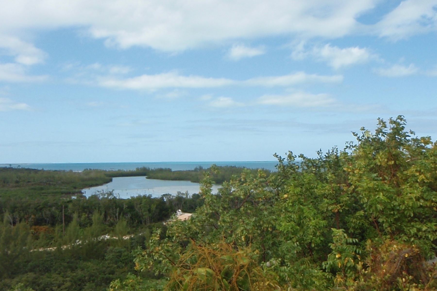 Terreno por un Venta en Great Cistern 27 Great Cistern Lot 27 Marsh Harbour, Abaco . Bahamas