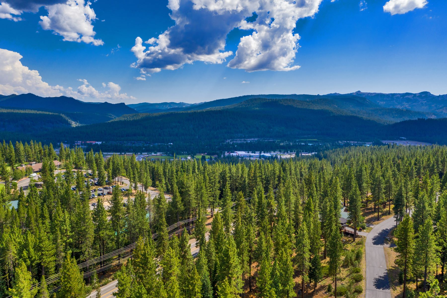 Land for Active at Dream Homesite in Donner Crest 11854 Lamplighter Way Truckee, California 96161 United States