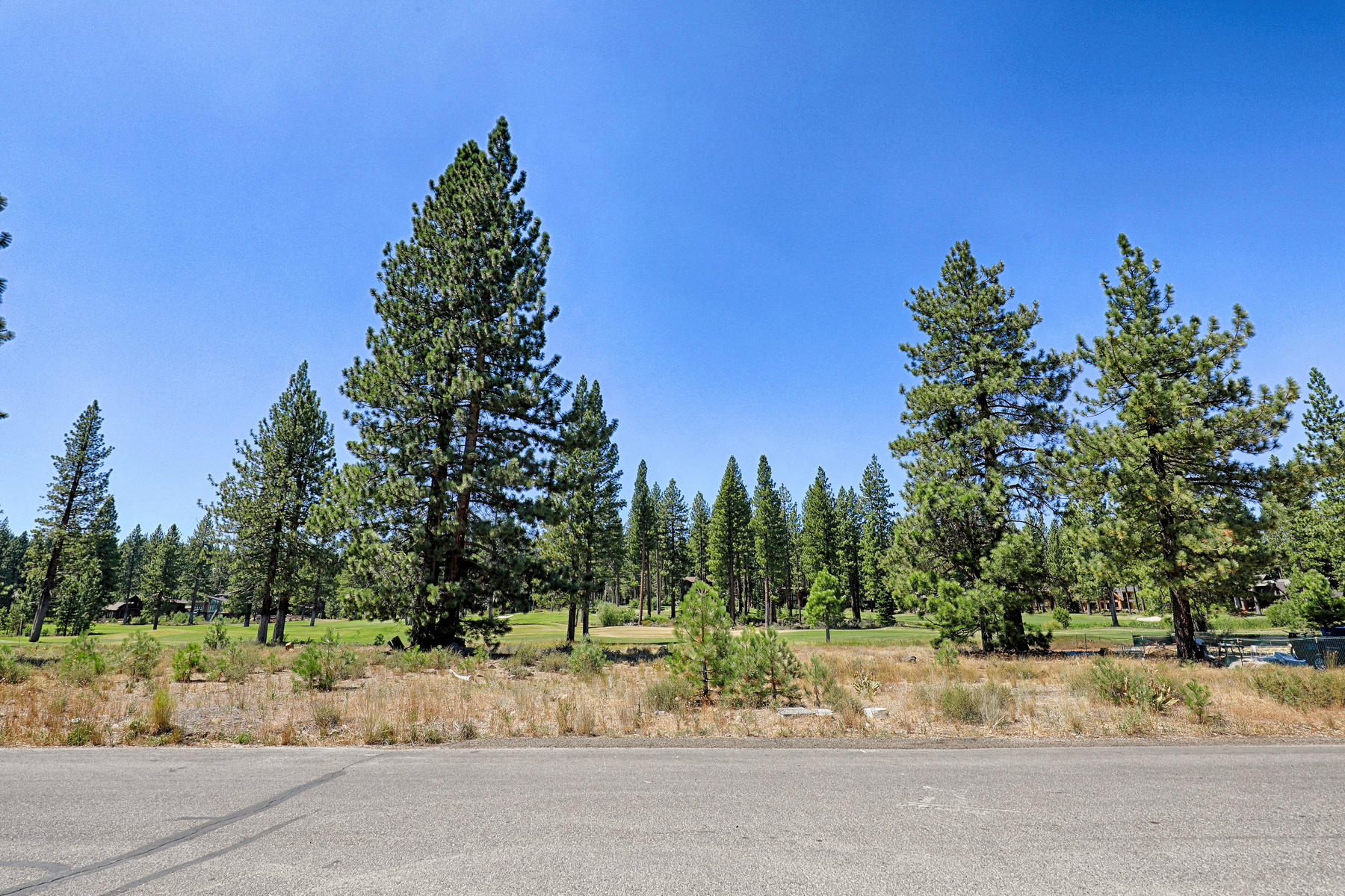 Land for Active at 9185 Heartwood Drive, Truckee, CA 96161 9185 Heartwood Drive Truckee, California 96161 United States