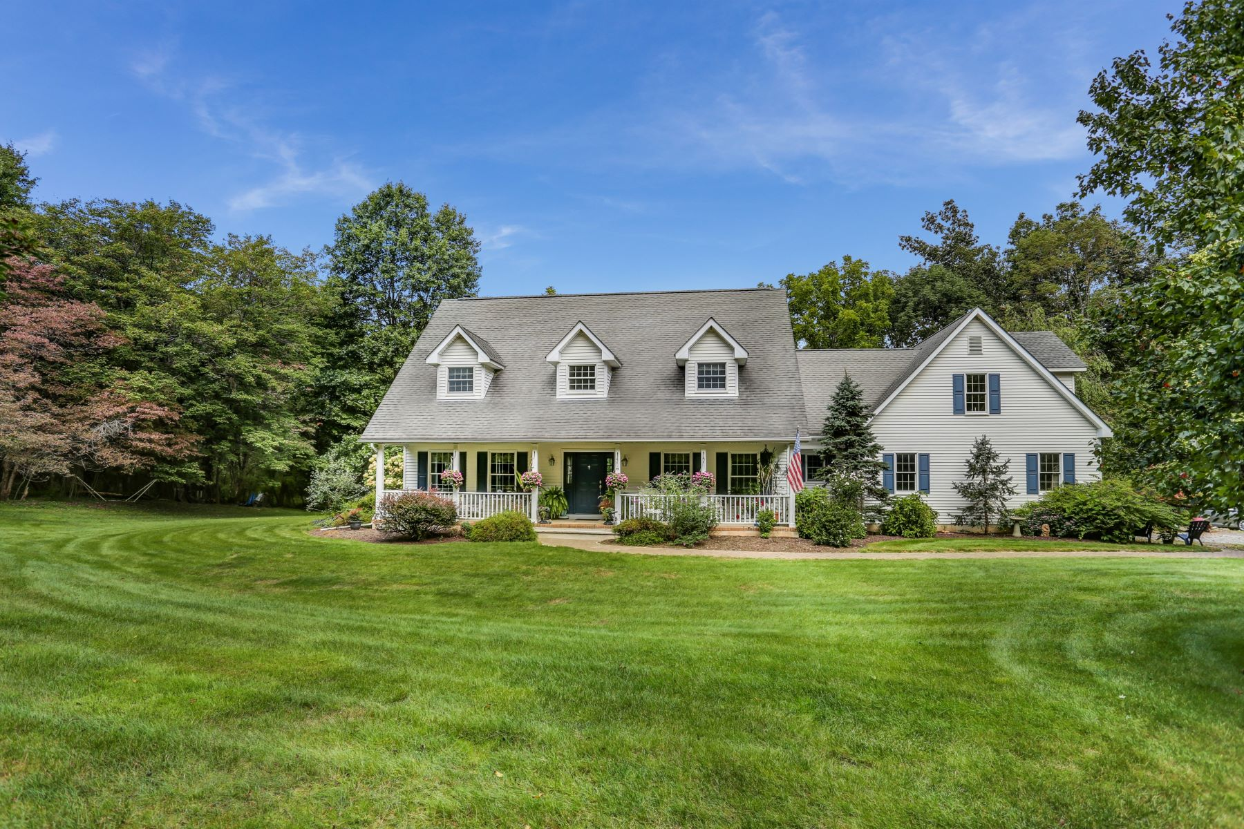 Single Family Homes for Sale at Private Country Setting 178 Old Turnpike Road Long Valley, New Jersey 07853 United States