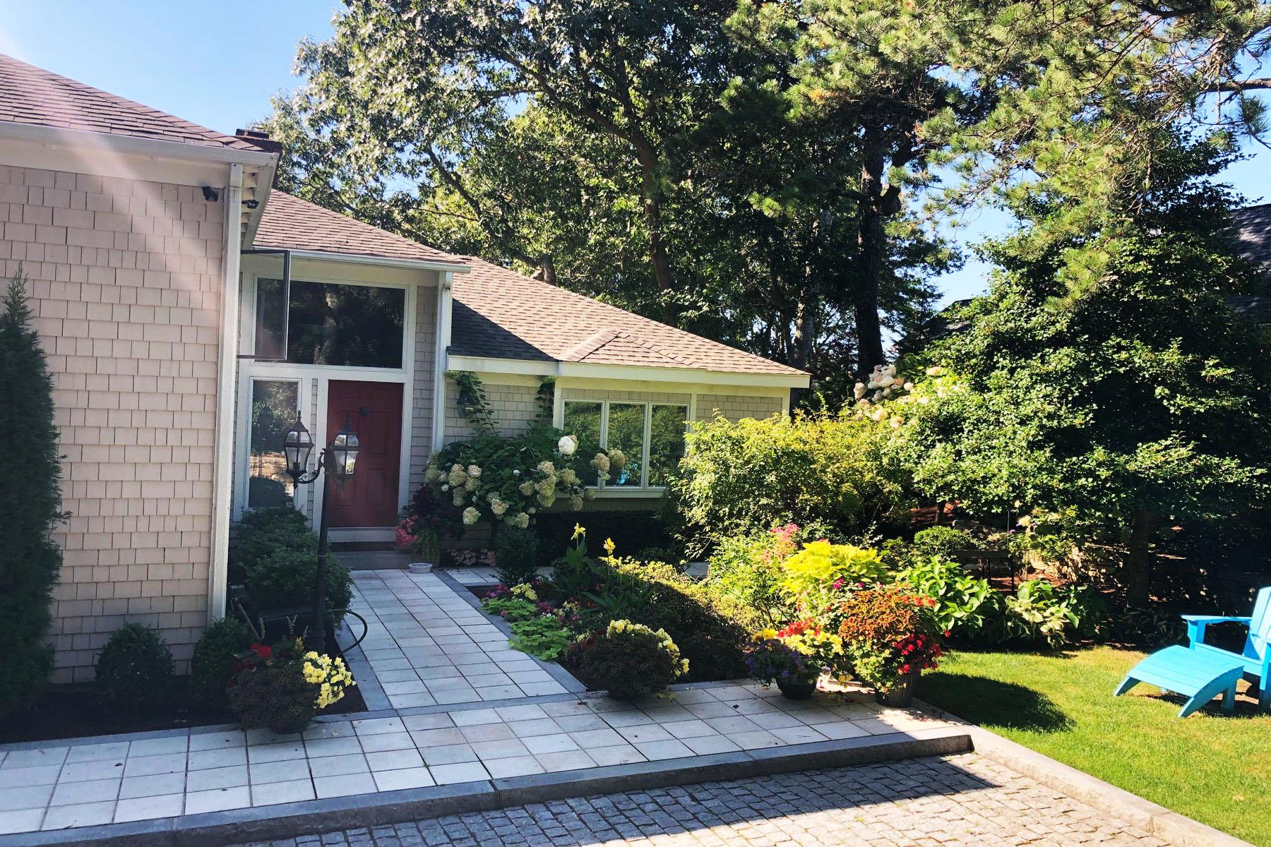 Single Family Homes por un Venta en GOLF FRONT LIVING 107 Greensward Road New Seabury, Massachusetts 02649 Estados Unidos