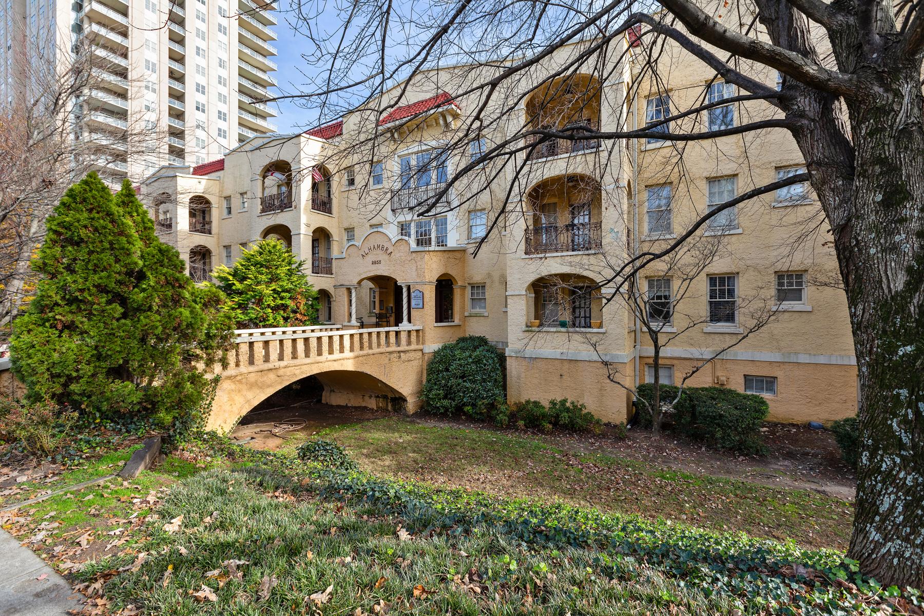 Great Opportunity In Historic Alhambra Condo Building 2855 Peachtree Rd 314 Atlanta, Georgia 30305 Stati Uniti