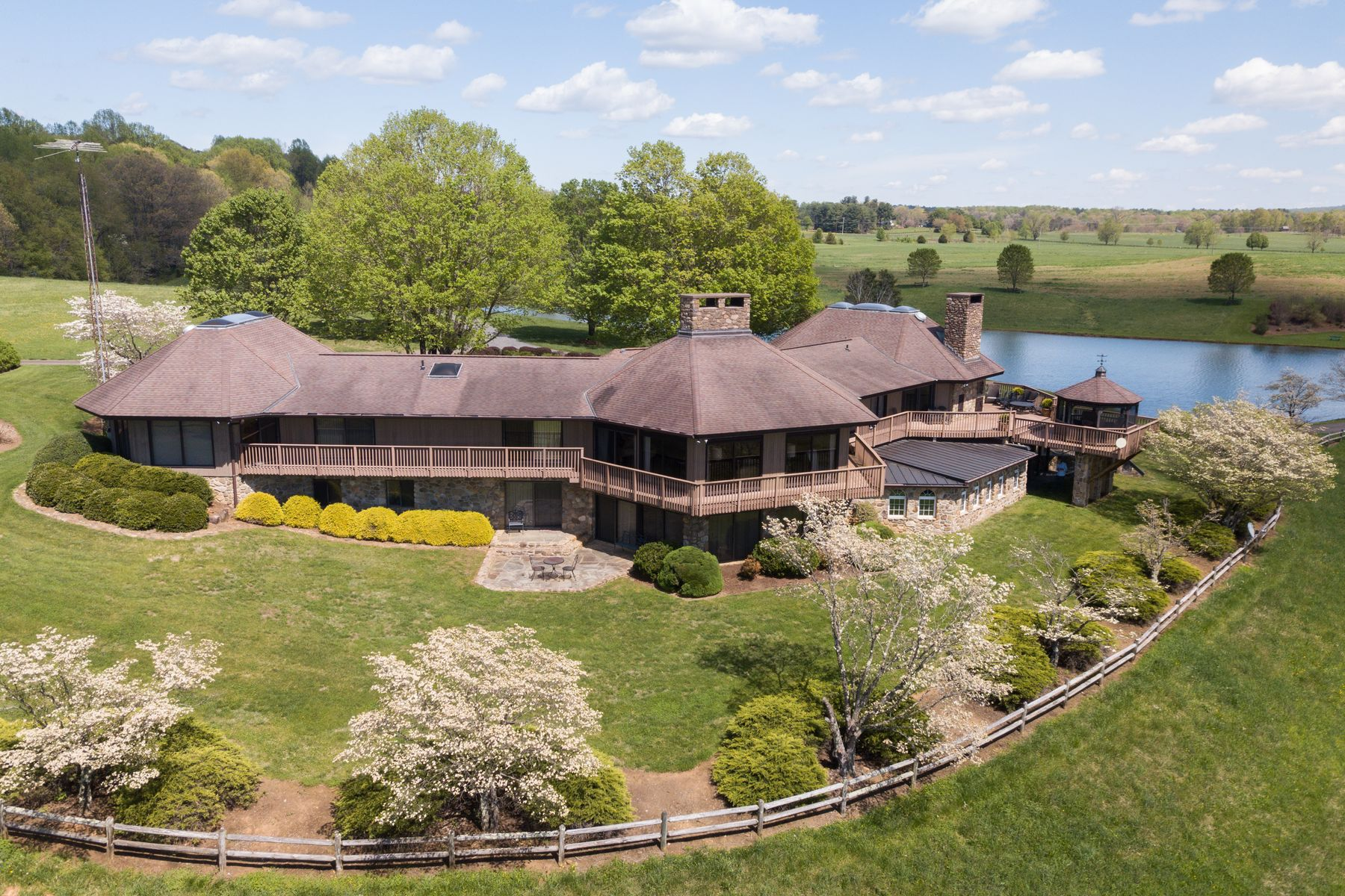 Single Family Homes 為 出售 在 3067 Hebron Valley Road 3067 Hebron Valley Rd, Madison, 弗吉尼亞州 22727 美國