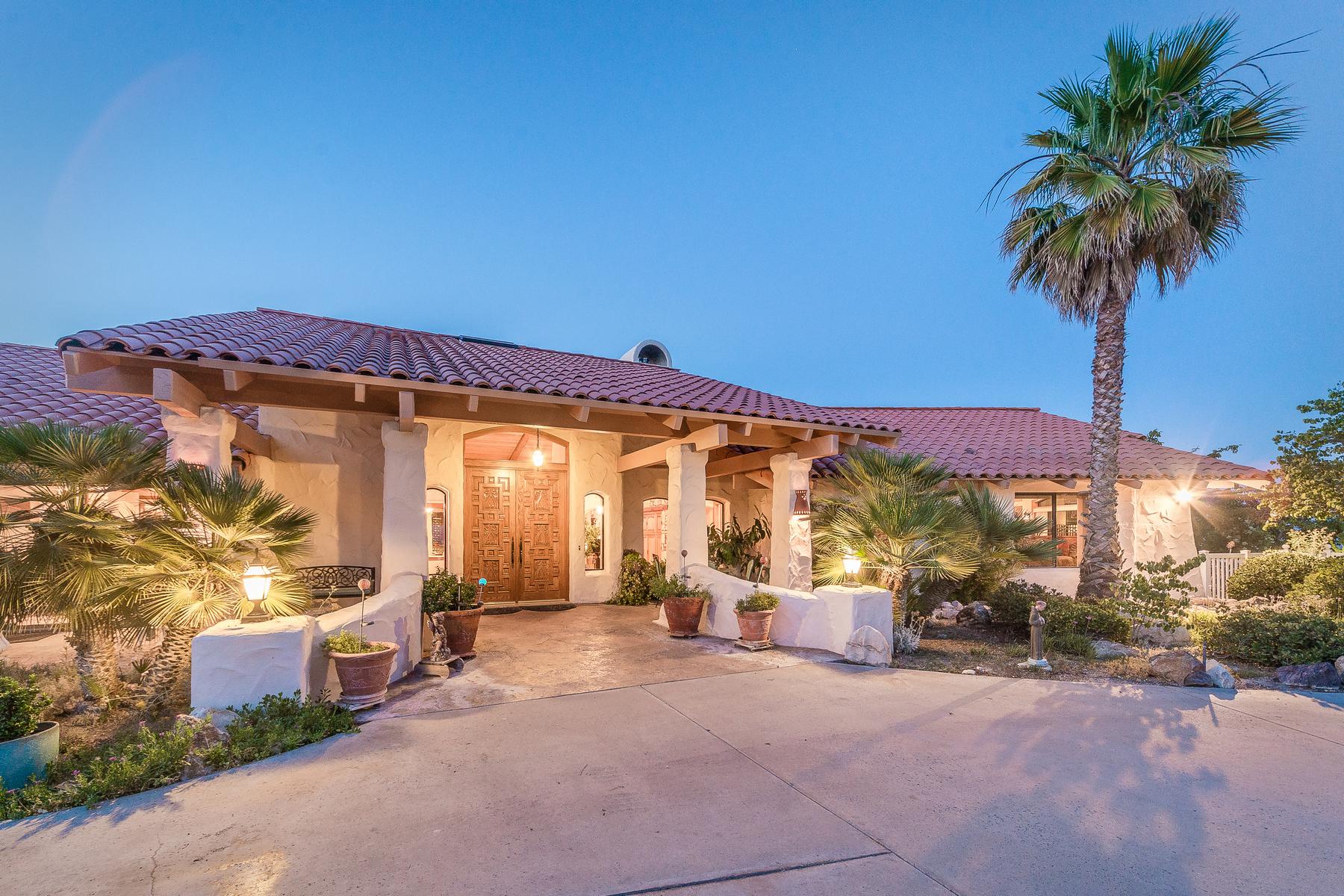 Частный односемейный дом для того Продажа на Positively Stunning West Side Estate 4515 Stags Leap Way Paso Robles, Калифорния 93446 Соединенные Штаты