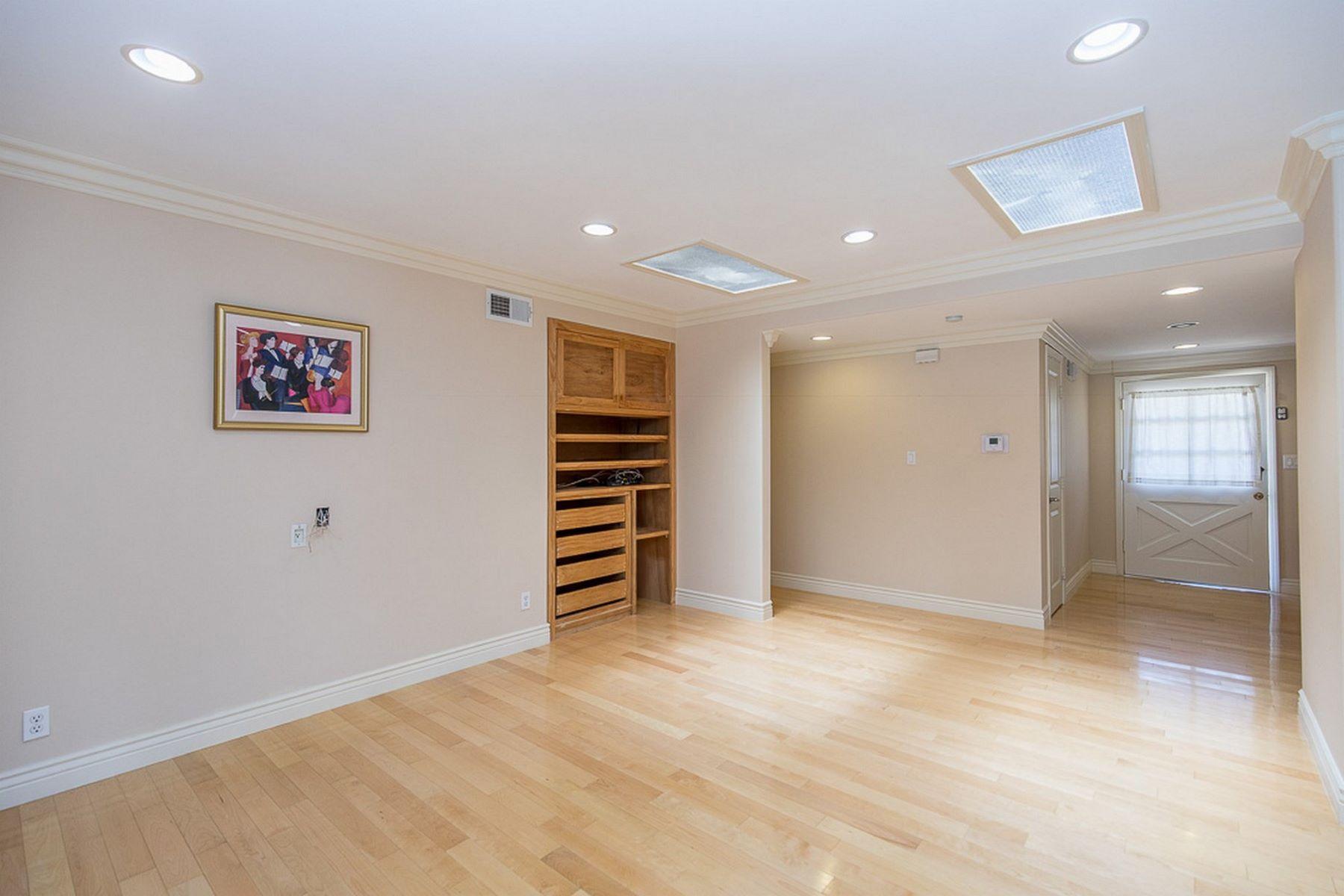 Casa para uma família para Venda às 1050 Camino Flores , Thousand Oaks Thousand Oaks, Califórnia, 91360 Estados Unidos