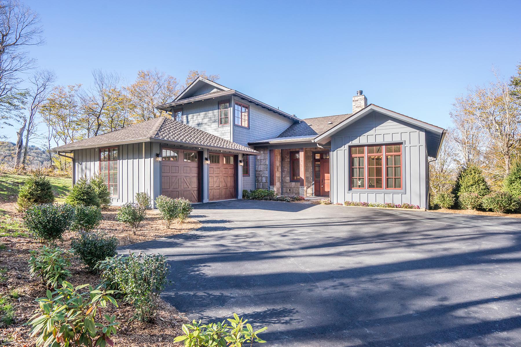 Single Family Homes por un Venta en LINVILLE - LINVILLE RIDGE 910 Oak Rdg, Linville, Carolina Del Norte 28646 Estados Unidos