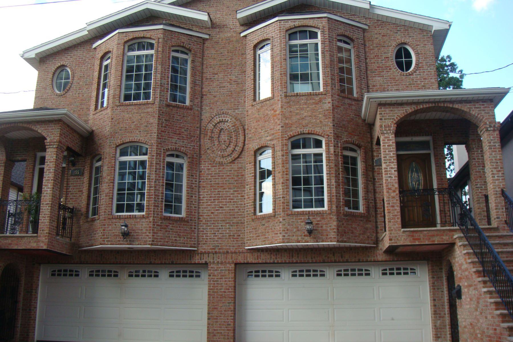 Таунхаус для того Аренда на Luxurious Townhouse 153 Old Palisade Rd Fort Lee, Нью-Джерси, 07024 Соединенные Штаты
