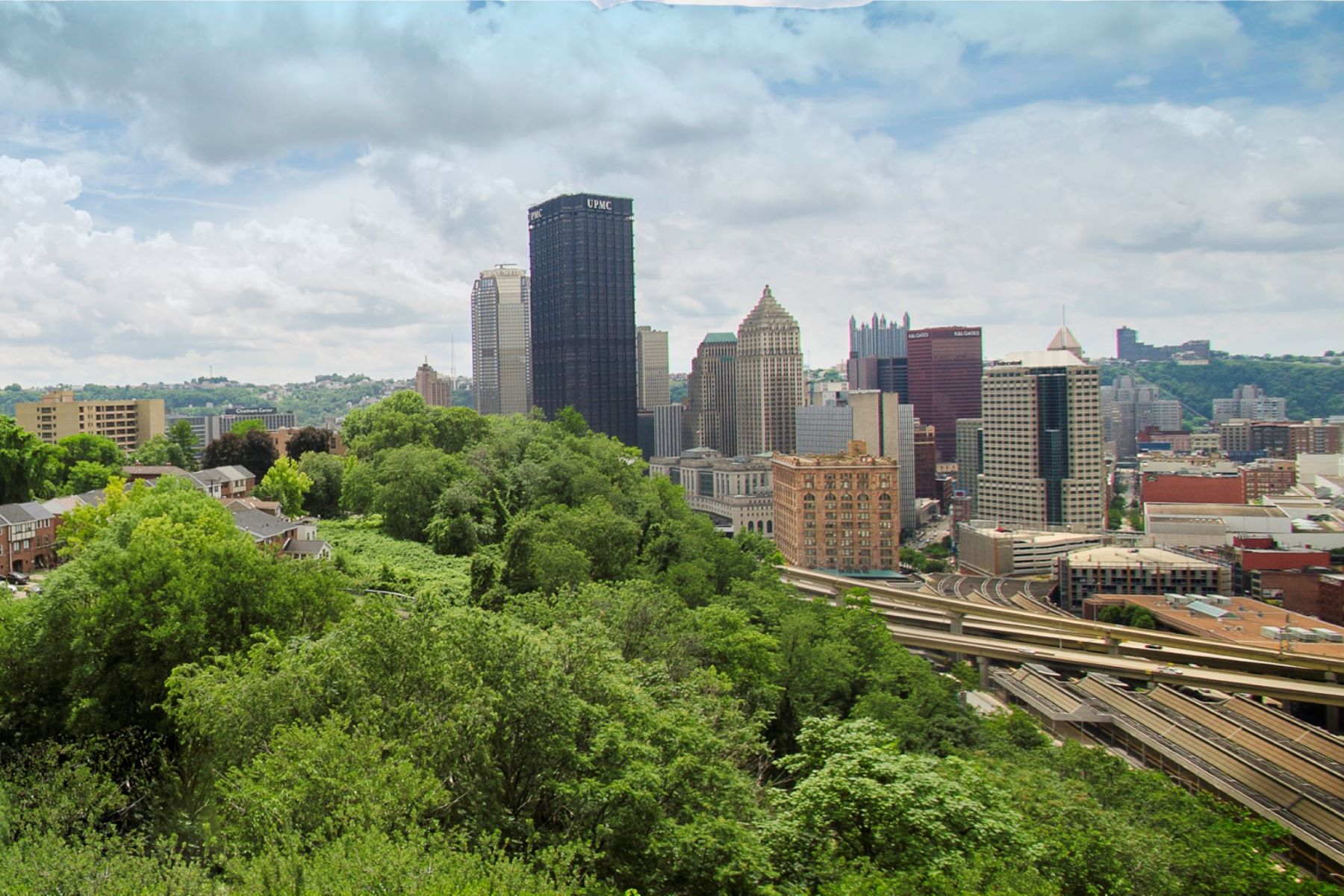 Additional photo for property listing at Riverview Ridge Condos 1825 Arcena Street #1 Pittsburgh, Pennsylvania 15219 United States