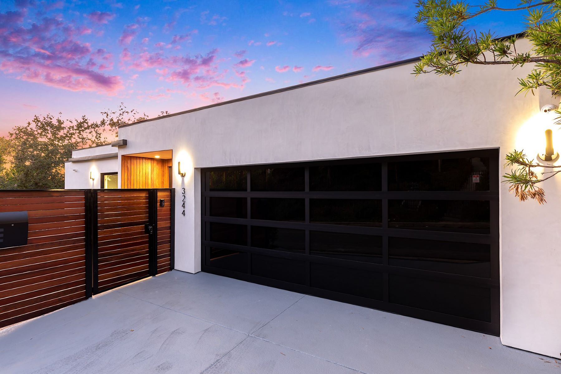 Single Family Homes for Sale at 3244 Wrightwood Dr Studio City, California 91604 United States