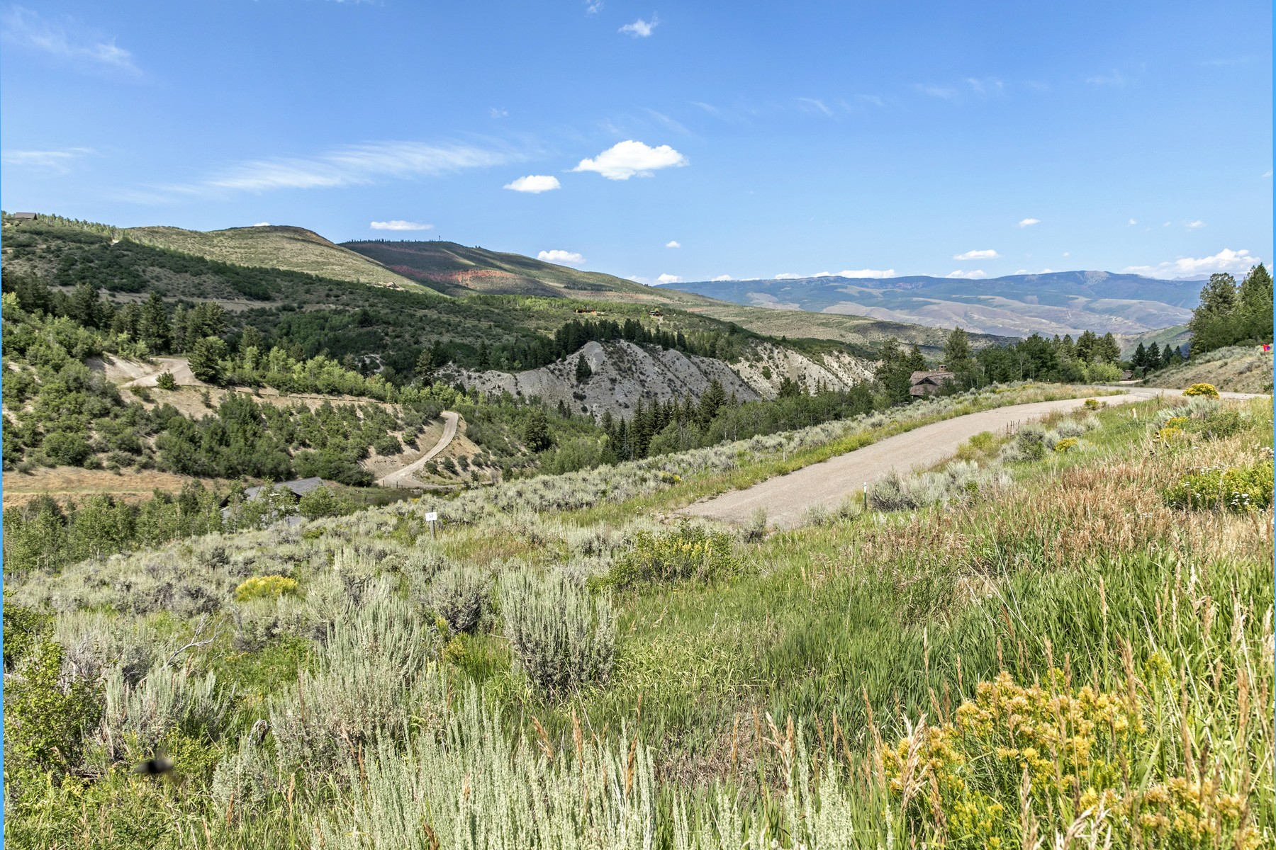 Land for Active at Sunny gently sloped quiet lot 527 Graham Road Edwards, Colorado 81632 United States