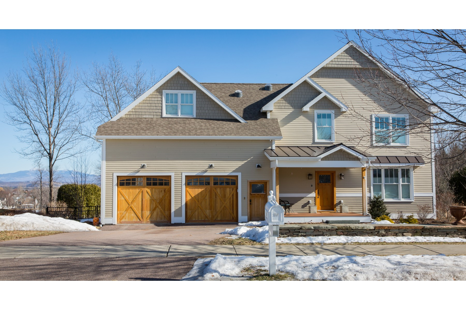 Single Family Home for Sale at 358 Golf Course Road, South Burlington 358 Golf Course Rd South Burlington, Vermont 05403 United States