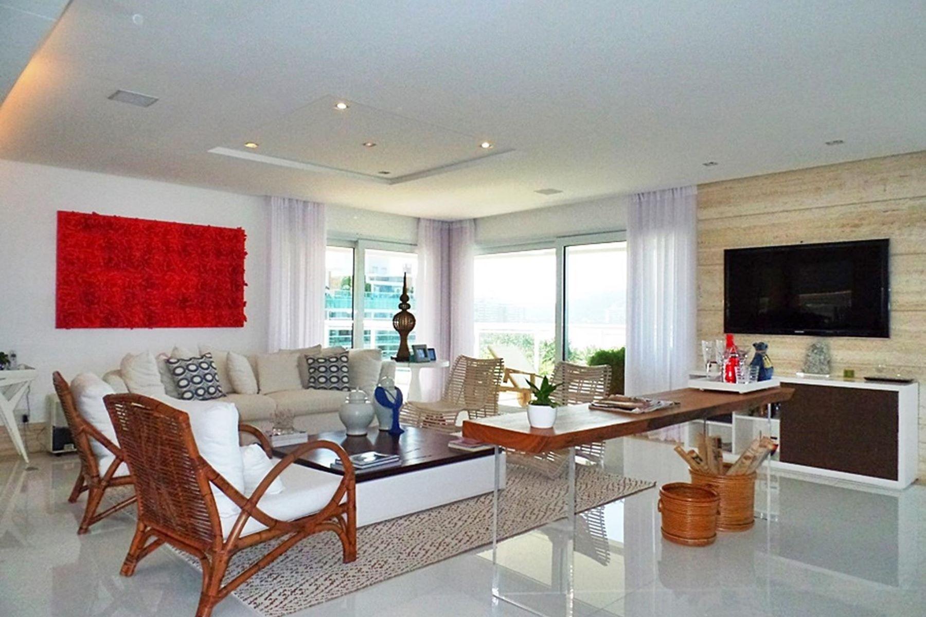 獨棟家庭住宅 為 出售 在 COLORFUL WATERFRONT VIEW Rua Largo Jatobá Bertioga, 聖保羅, 11250-000 巴西