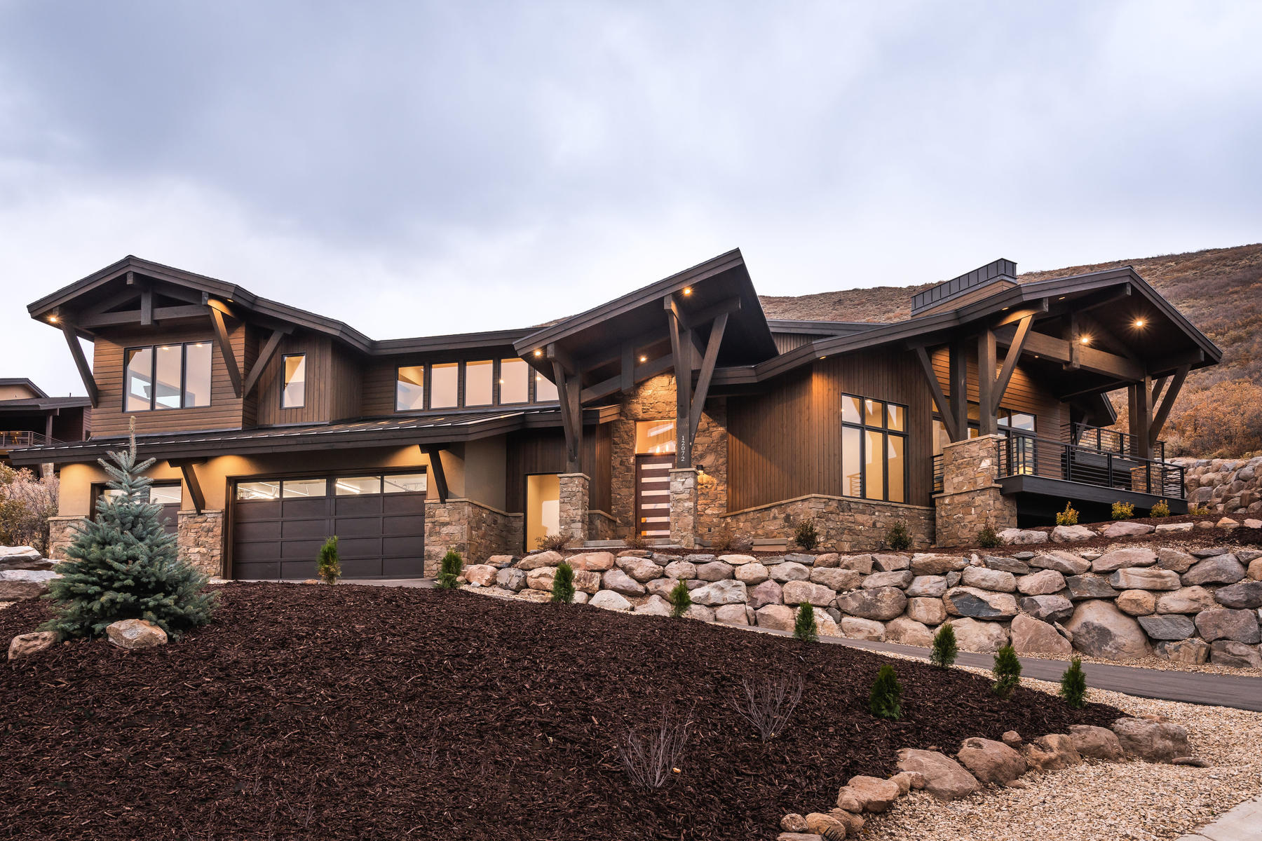 Single Family Homes 为 销售 在 Spectacular New Construction With Sweeping Views 12072 N Sage Hollow Circle Kamas, 犹他州 84036 美国