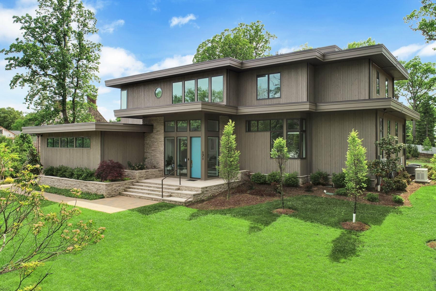 Single Family Homes for Sale at Modern Masterpiece 171 Highland Avenue, Short Hills, New Jersey 07078 United States