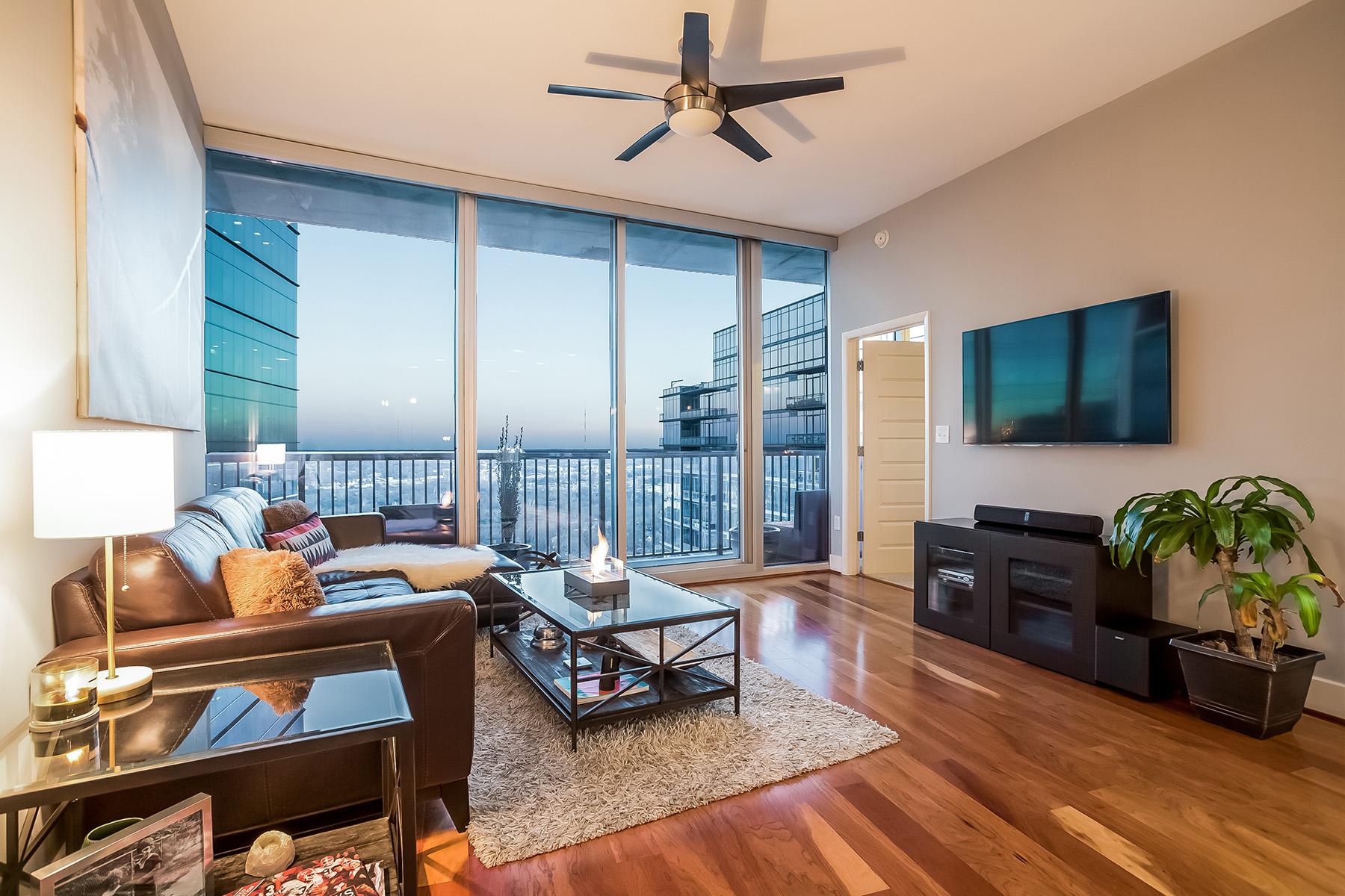 共管式独立产权公寓 为 销售 在 Premium 31st Floor Home With Separate Den 1080 Peachtree Street NE #3104, 亚特兰大, 乔治亚州, 30309 美国