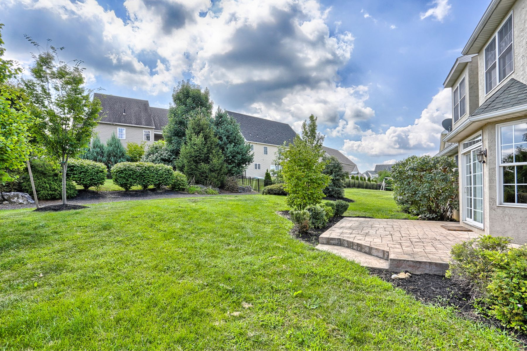 Additional photo for property listing at 344 Royal Hunt Way  Lititz, Pennsylvania 17543 United States