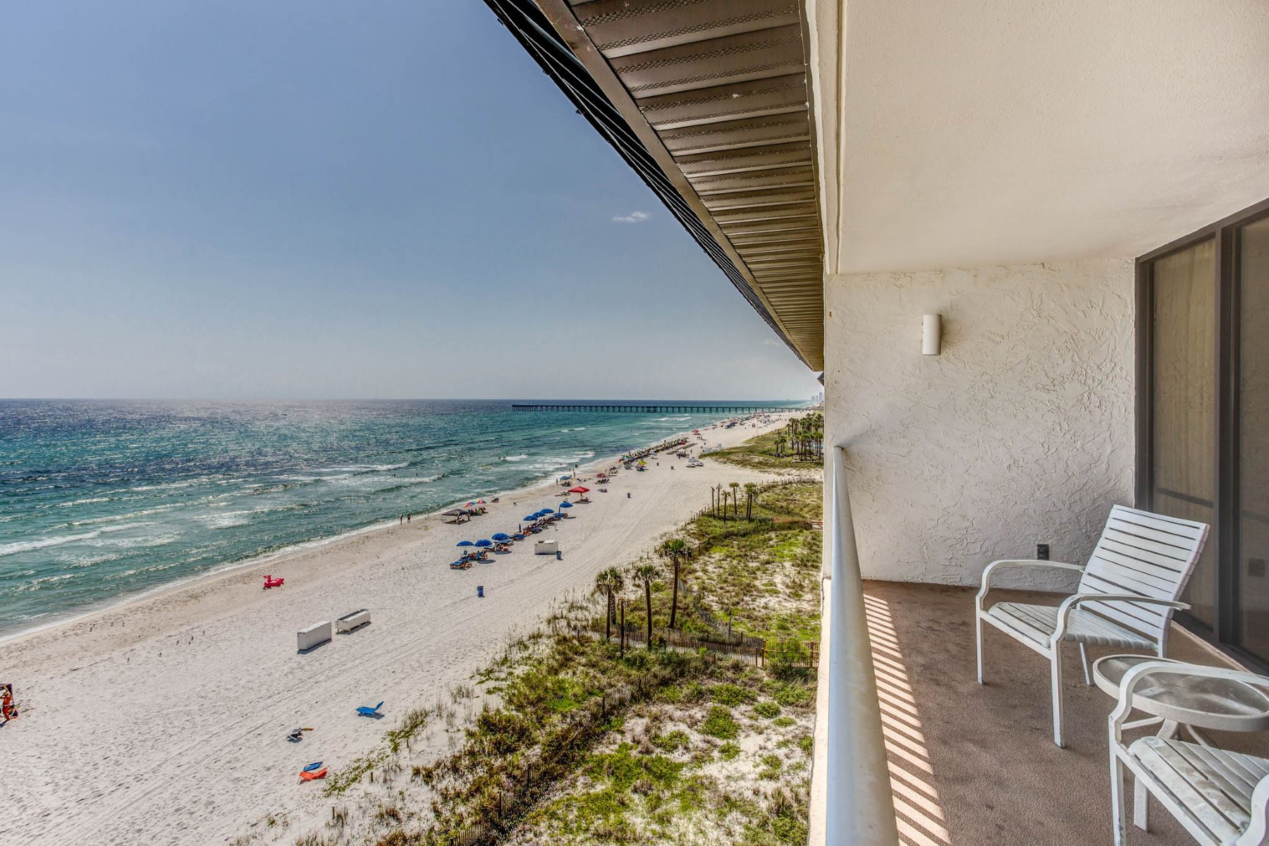 Condominio por un Venta en RARE 6TH FLOOR PENTHOUSE IN EXCLUSIVE LOW-RISE BUILDING 11757 Front Beach Road L606 Panama City Beach, Florida, 32407 Estados Unidos