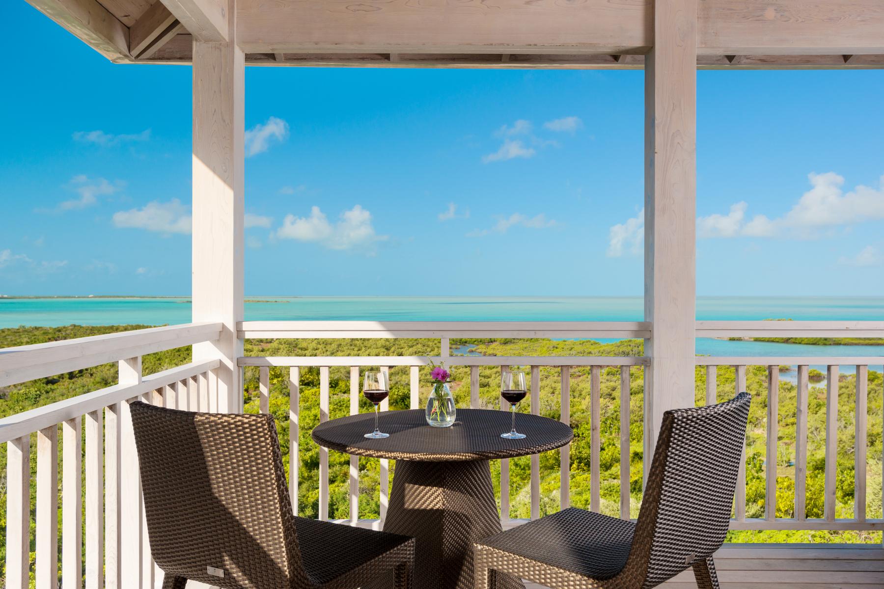 独户住宅 为 销售 在 Ridgetop Residence 811.812 Oceanview Sailrock, TC 特克斯和凯科斯群岛