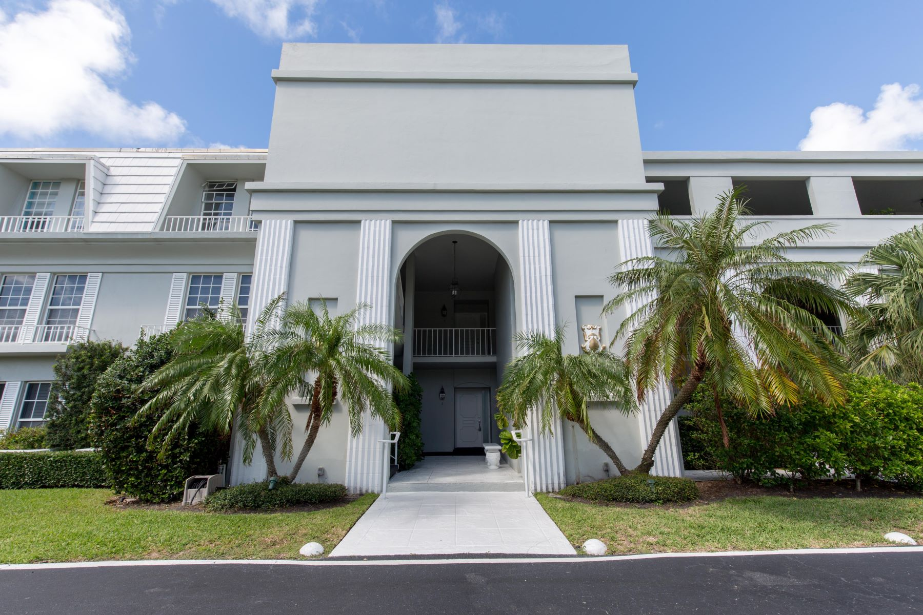 Additional photo for property listing at Ibis Isle Condo 2180 Ibis Isle Rd # 2 Palm Beach, Florida 33480 Amerika Birleşik Devletleri