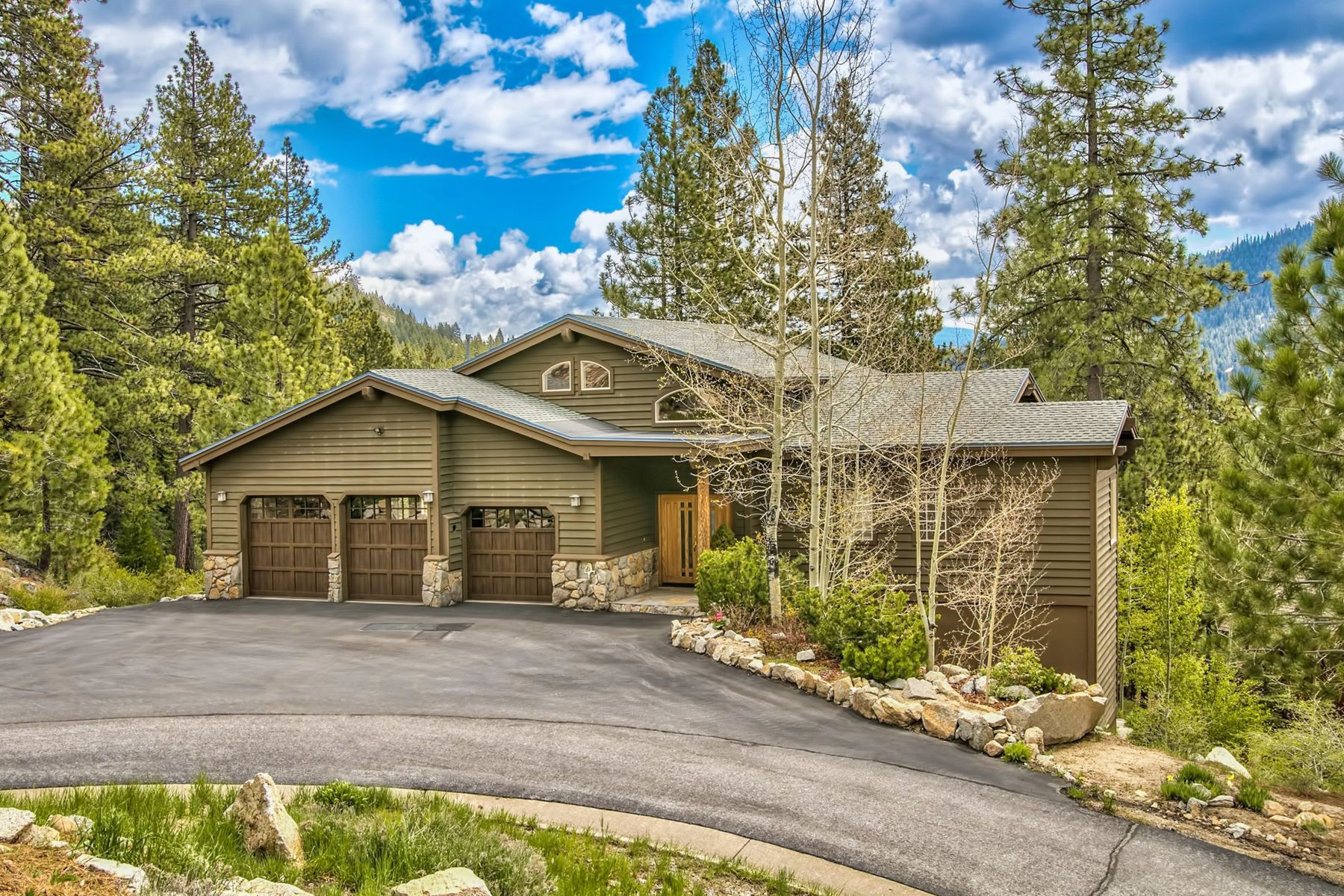 Single Family Homes for Active at Quiet Sunny Donner Lake 16313 Cinnamon Ridge Place, Truckee, California 96161 United States