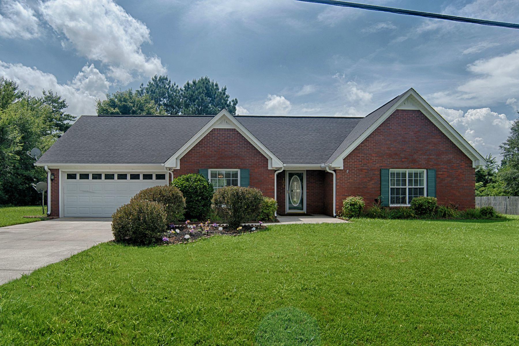 Single Family Homes por un Venta en 104 Amesbury Drive Harvest, Alabama 35749 Estados Unidos