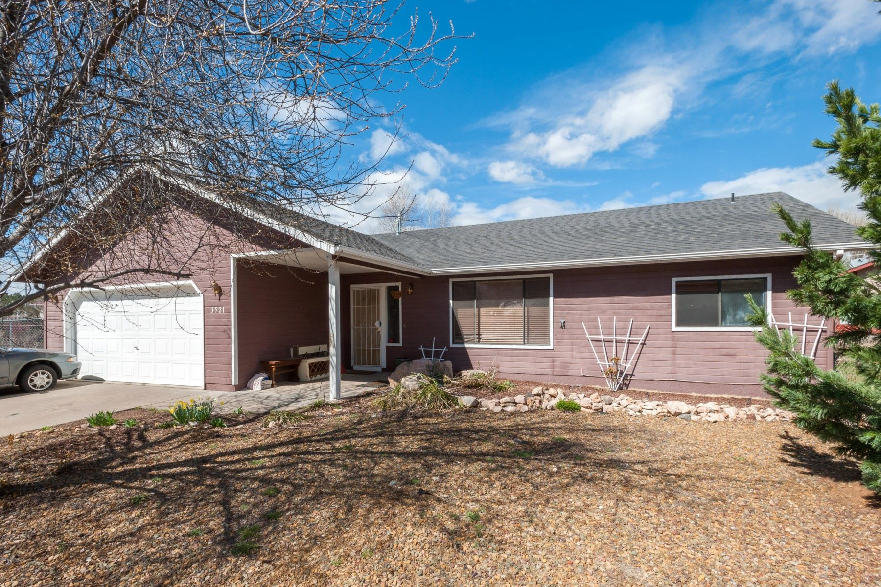 Single Family Home for Sale at Darling 3 bedroom home in beautiful Bow and Arrow Estates 3521 S Walapai Dr Flagstaff, Arizona, 86005 United States