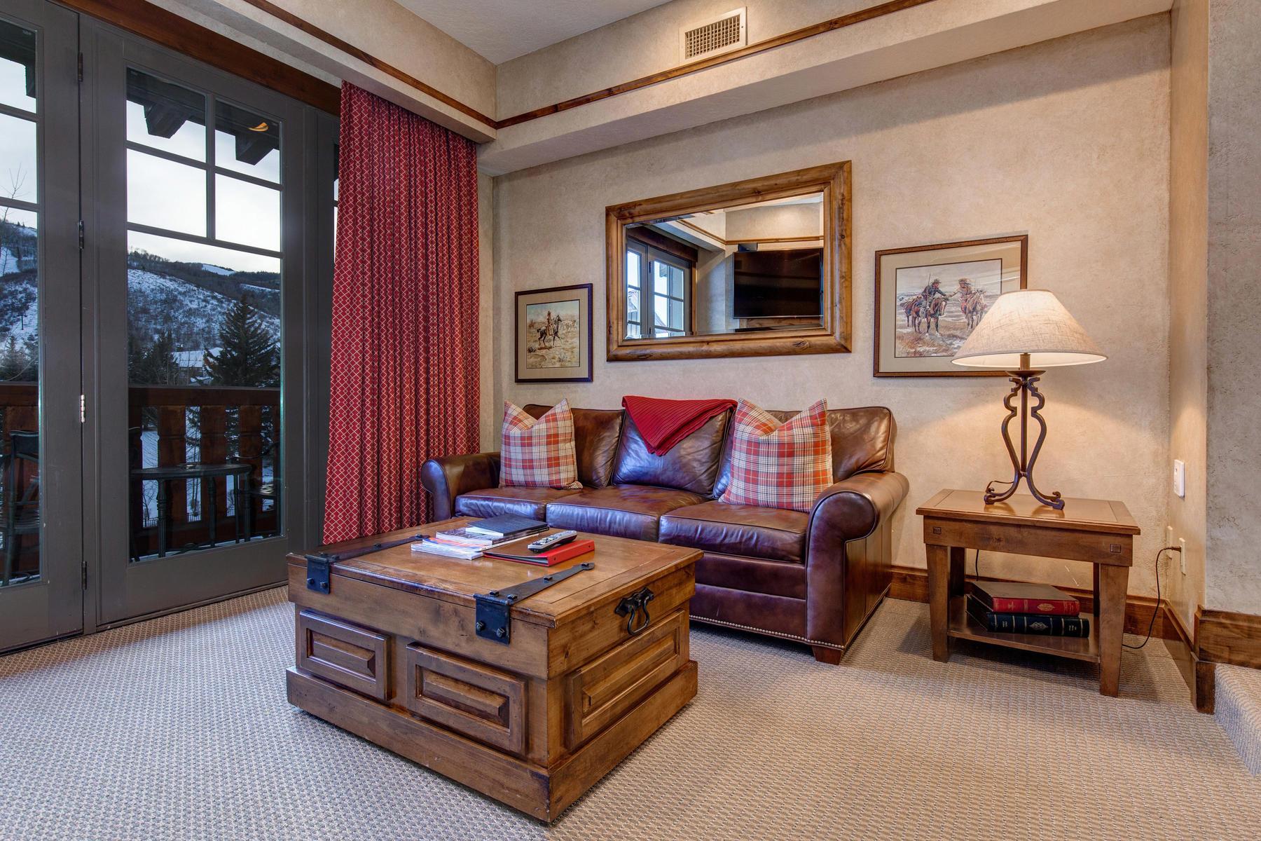 شقة بعمارة للـ Sale في Carefree Ownership While Enjoying Ski & Golf Course Views 2001 Park Ave #312 Park City, Utah 84060 United States