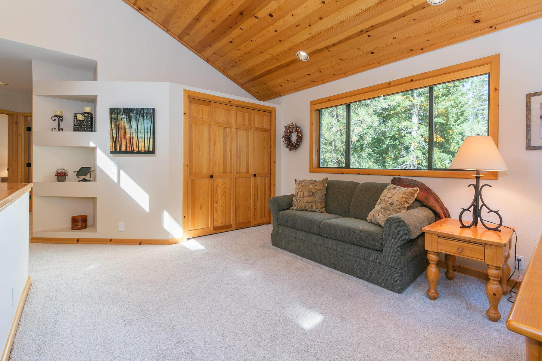 Additional photo for property listing at 11756 Tundra Drive, Truckee, CA 11756 Tundra Dr. Truckee, California 96161 United States