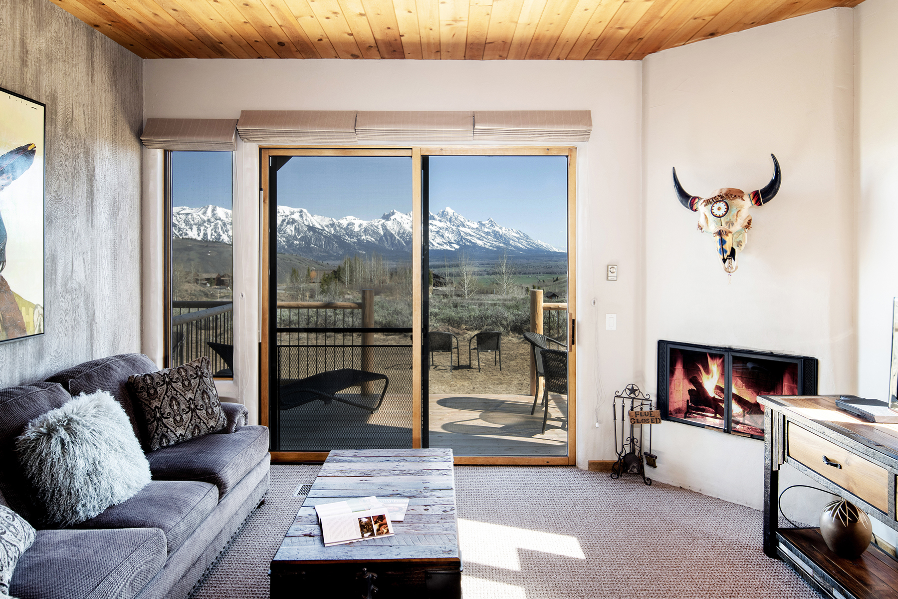 townhouses pour l Vente à Updated Spring Creek Condo & Teton Views 1678 N East Butte Road, Jackson, Wyoming 83001 États-Unis