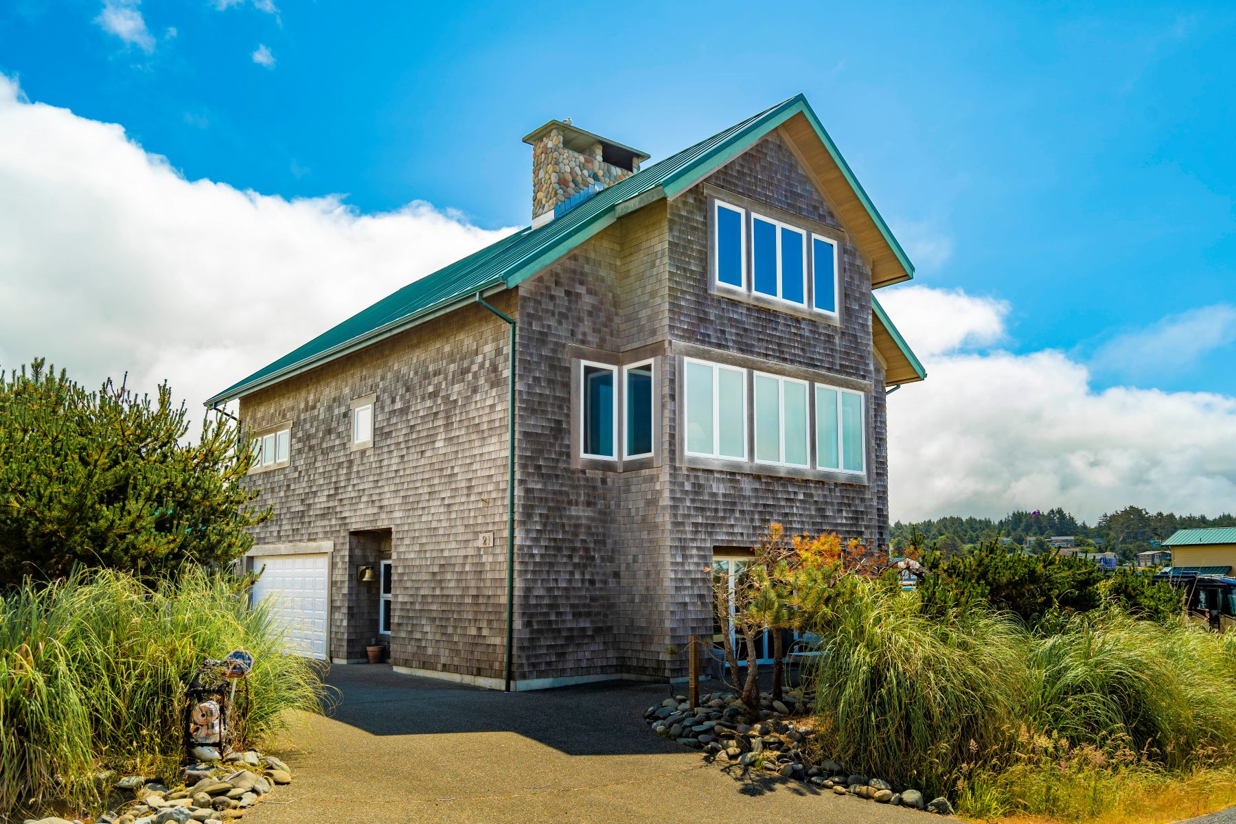 Single Family Homes for Sale at Pacific Beach Home 21 S 1st Street Pacific Beach, Washington 98571 United States