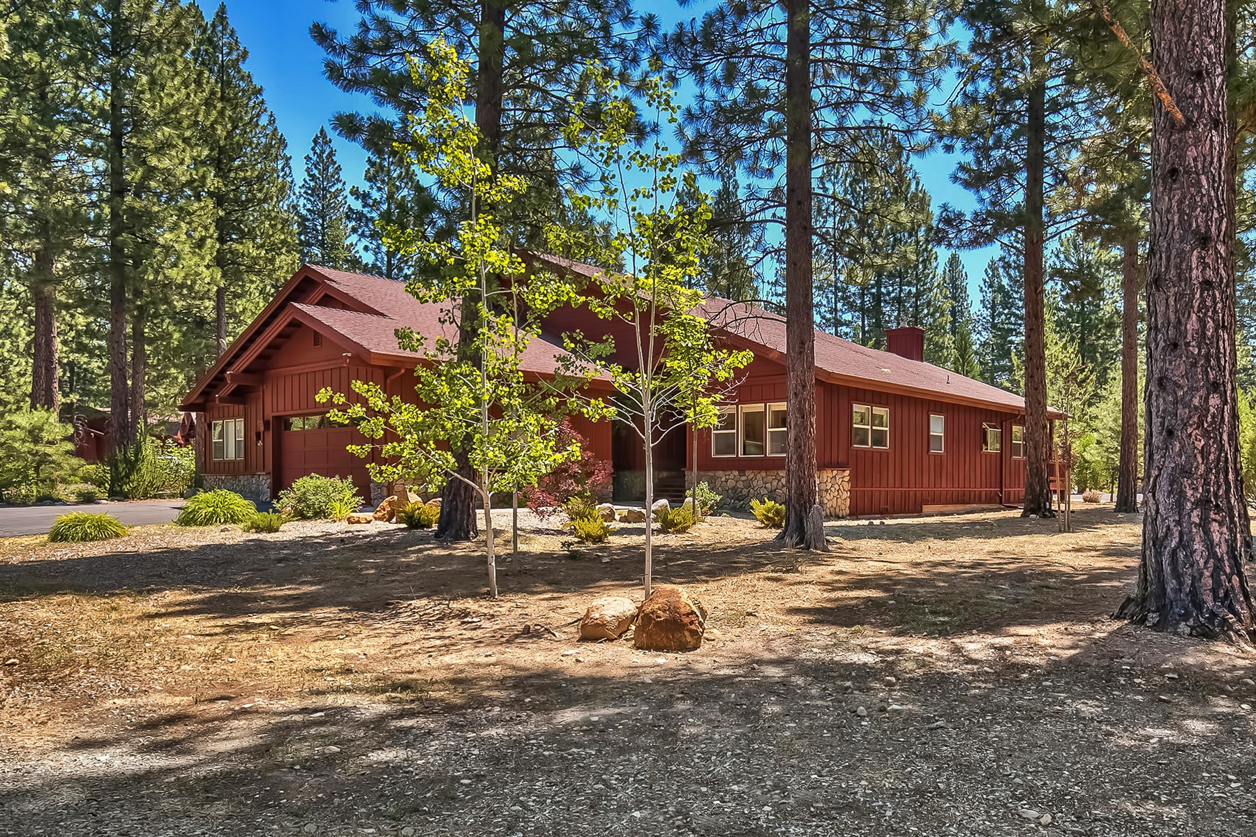 Townhouse for Active at 35 One Horse Way, Clio, CA 96106 35 One Horse Way Clio, California 96106 United States