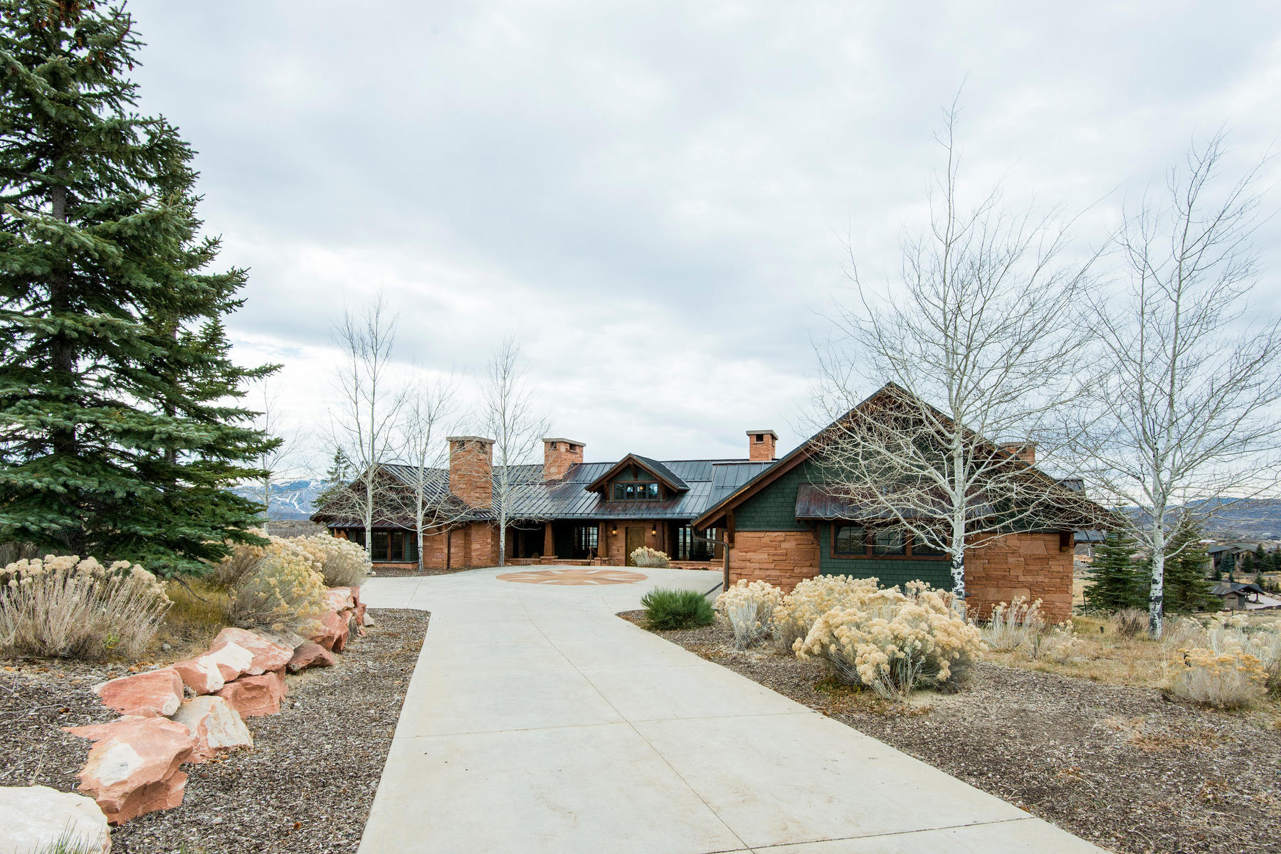 Additional photo for property listing at Mountain Traditional Home with Sweeping Views of the Golf Course and Ski Resorts 8725 N Promontory Ranch Rd Park City, Utah 84098 United States