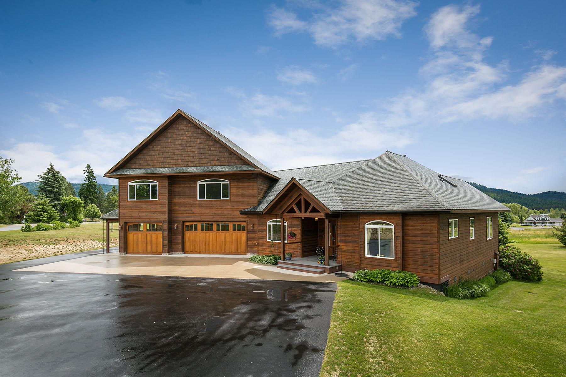 Casa Unifamiliar por un Venta en Comfortable Elegance on 3.3 Acres 71 River Run Dr Laclede, Idaho, 83841 Estados Unidos