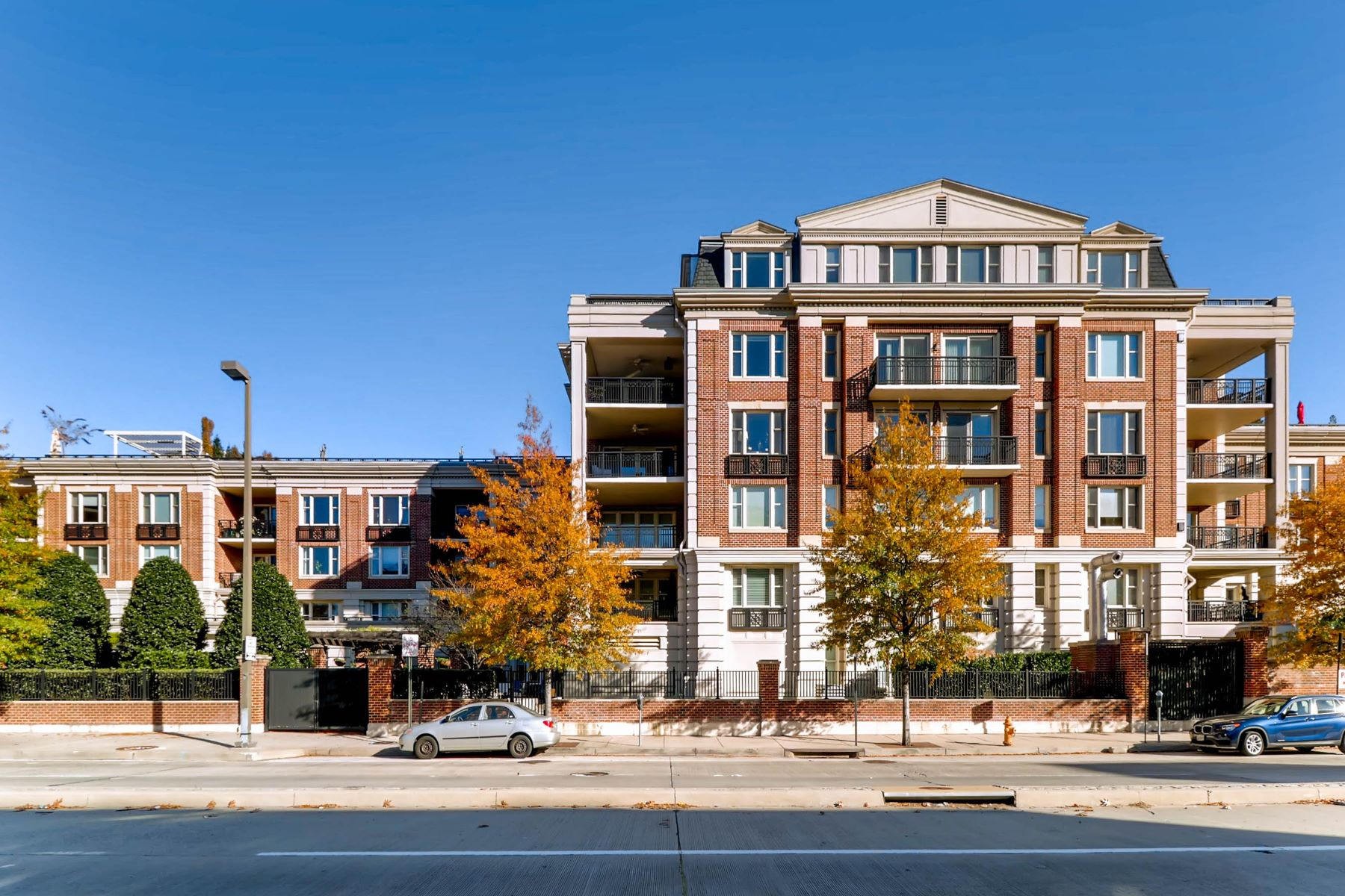 Condominium for Rent at The Ritz-Carlton Residences 801 Key Highway #P-50 Baltimore, Maryland 21230 United States