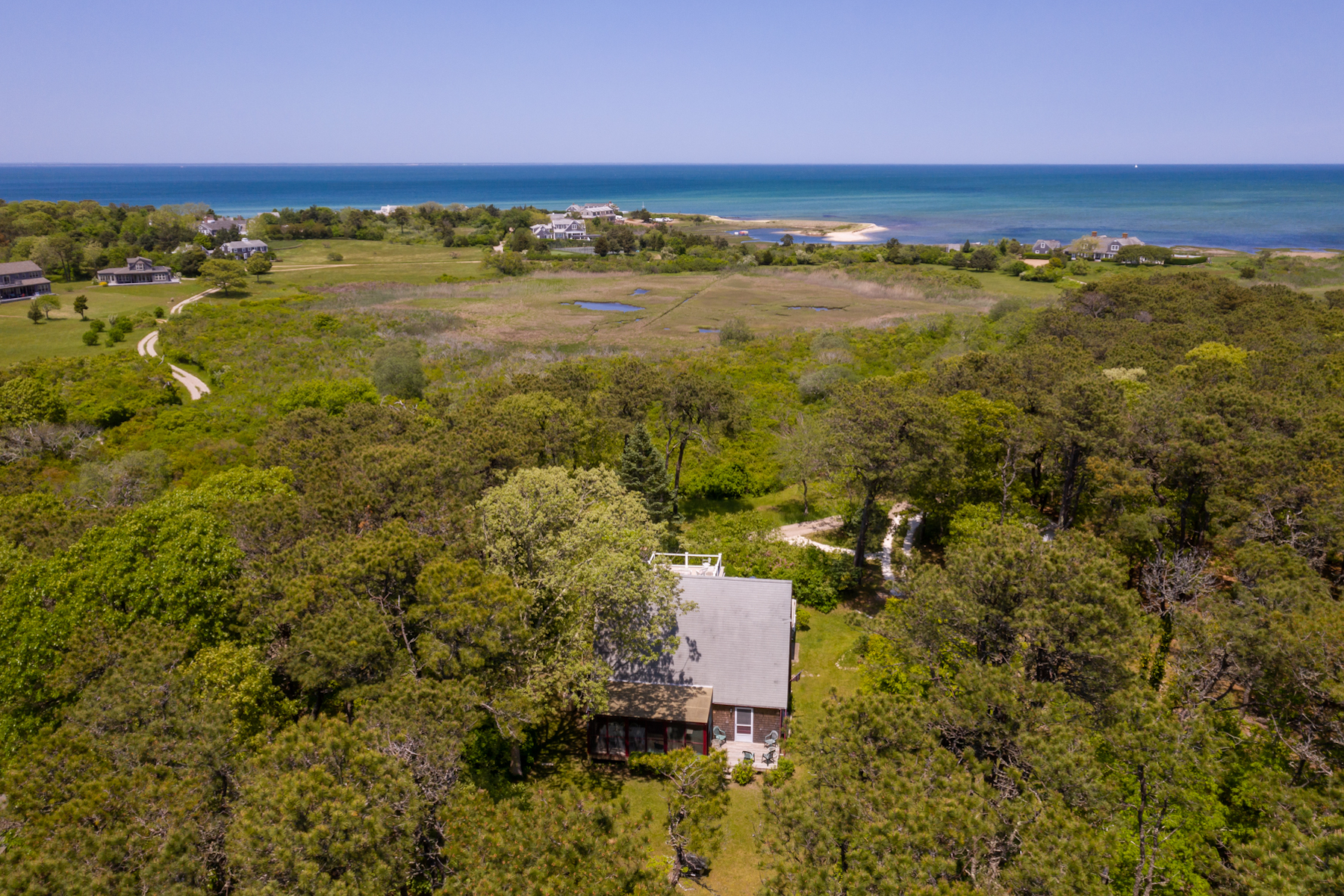 Single Family Homes 为 销售 在 Extraordinary opportunity in Edgartown 9 Lenssen Way 埃德加敦, 马萨诸塞州 02539 美国