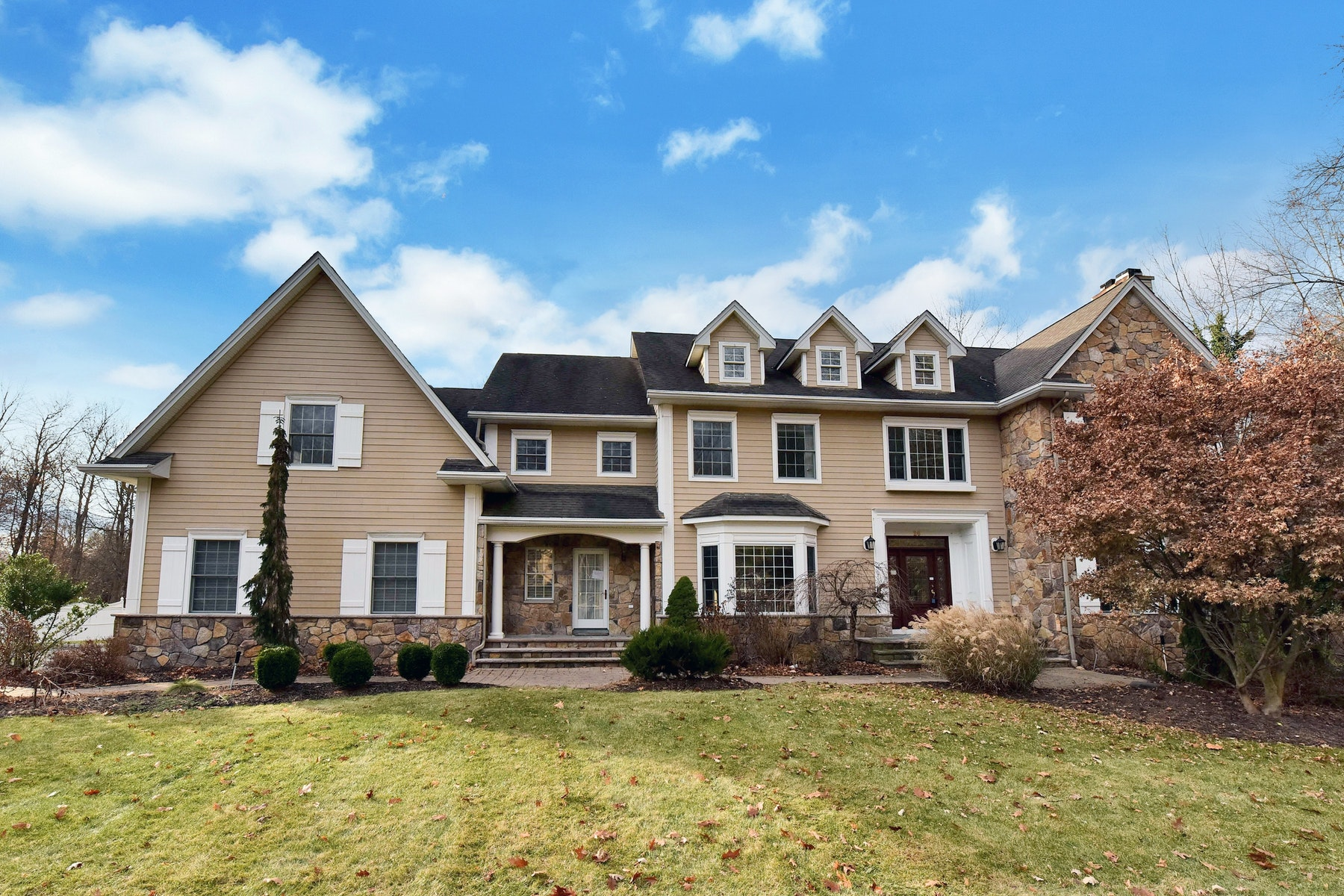 Single Family Home for Sale at Gracious Colonial 26 Old Stone Church Rd, Upper Saddle River, New Jersey, 07458 United States