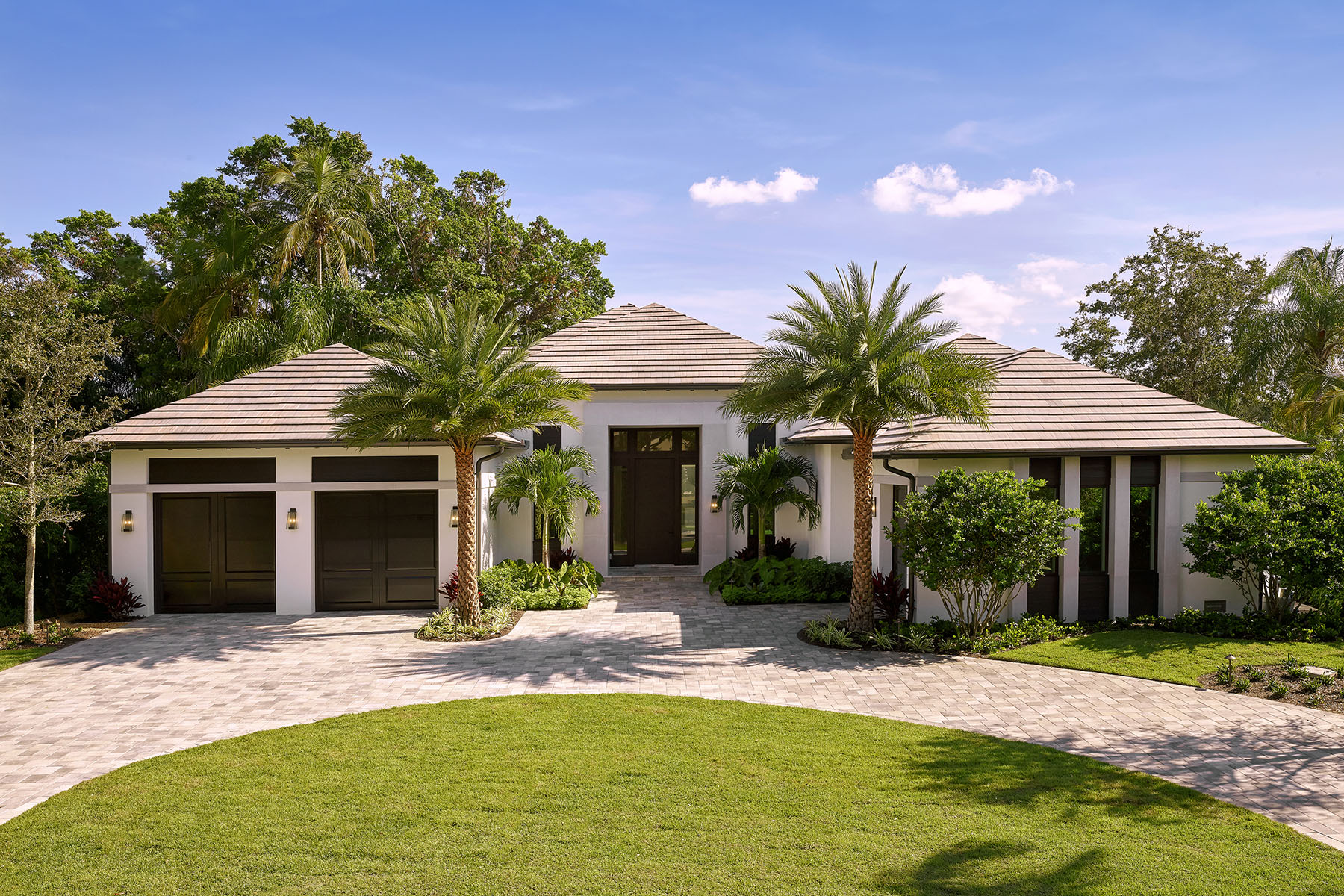 Single Family Homes for Sale at PARK SHORE 541 Whispering Pine Court Naples, Florida 34103 United States