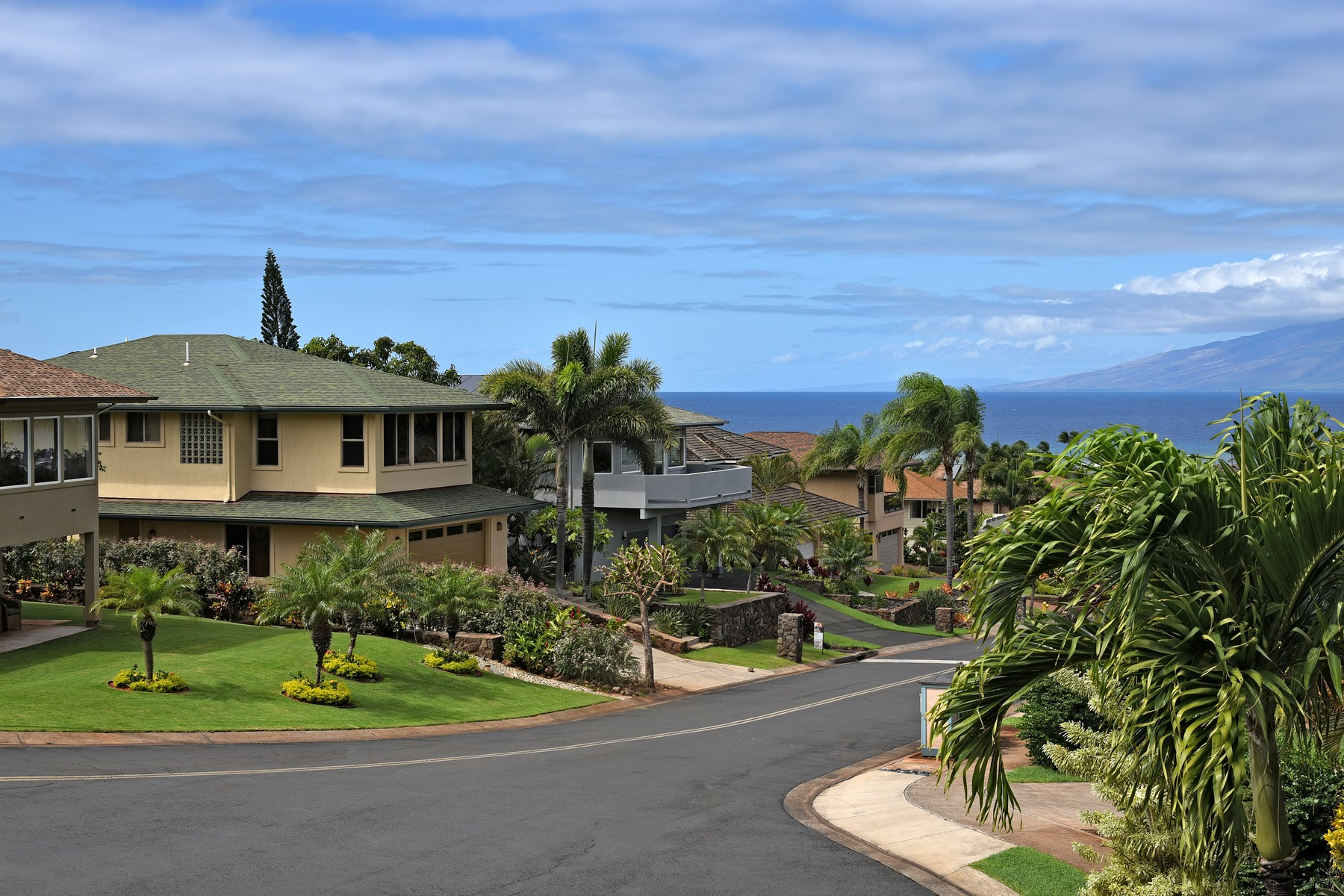 "Casa Unifamiliar por un Venta en Unique ""Pole"" Style Home With Ocean And Mountain Views 160 Kahana Ridge Drive, Kahana, Hawaii, 96761 Estados Unidos"