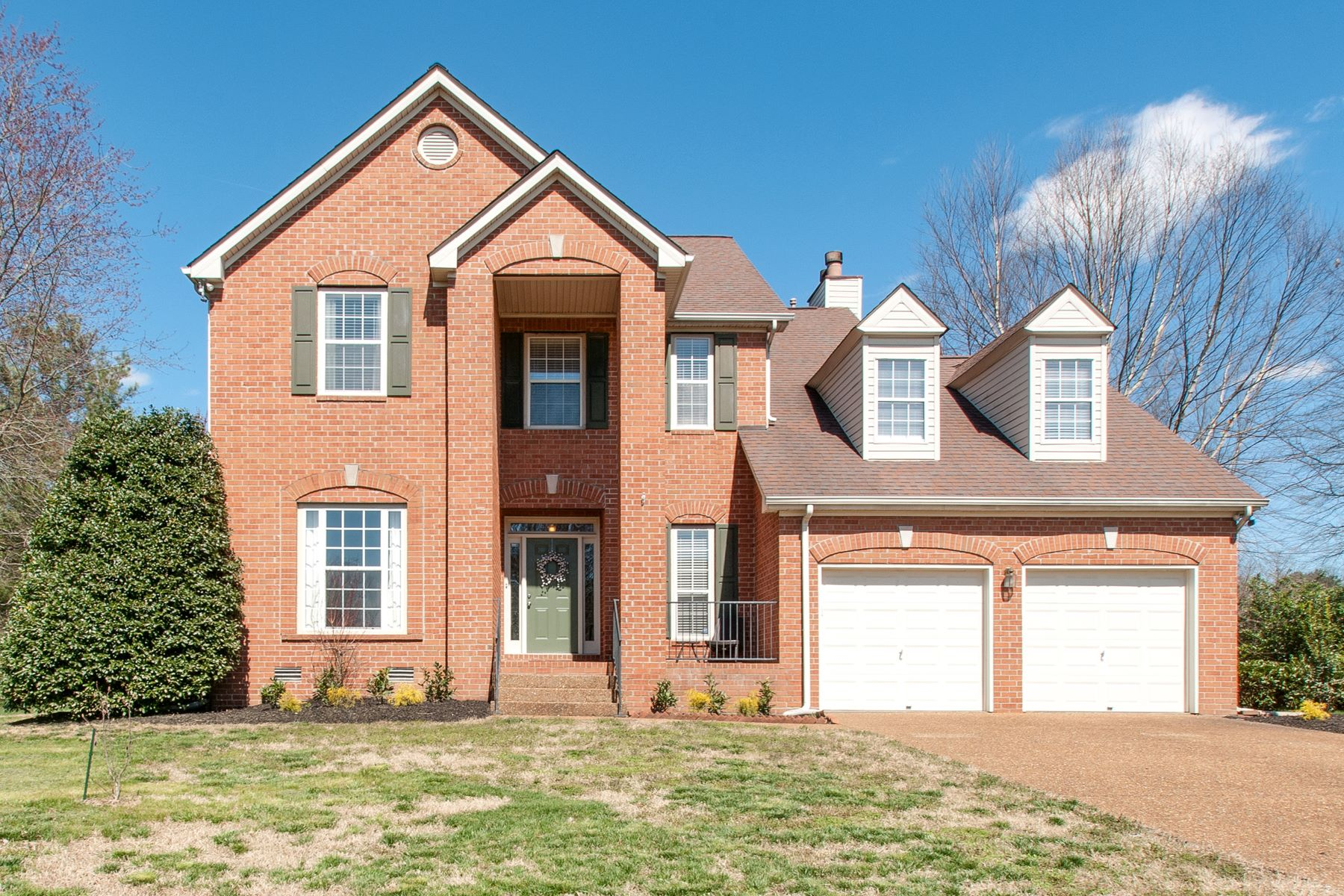Single Family Home for Sale at Beautiful, Move-In Ready Home on Beautiful Corner Lot! 2048 Bratton Place Franklin, Tennessee 37067 United States