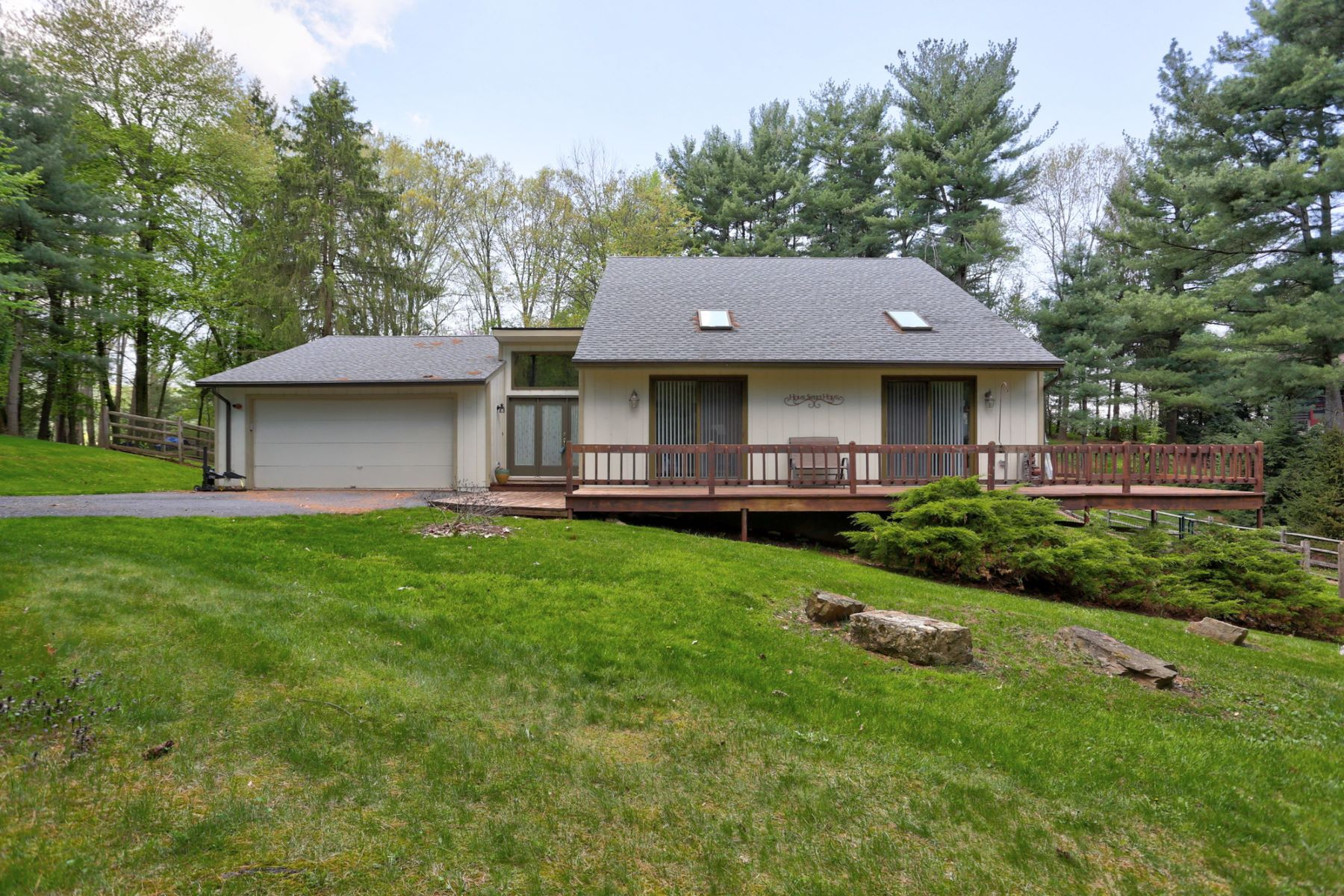 Single Family Home for Sale at 3 Century Lane 3 Century Lane Newmanstown, Pennsylvania 17073 United States