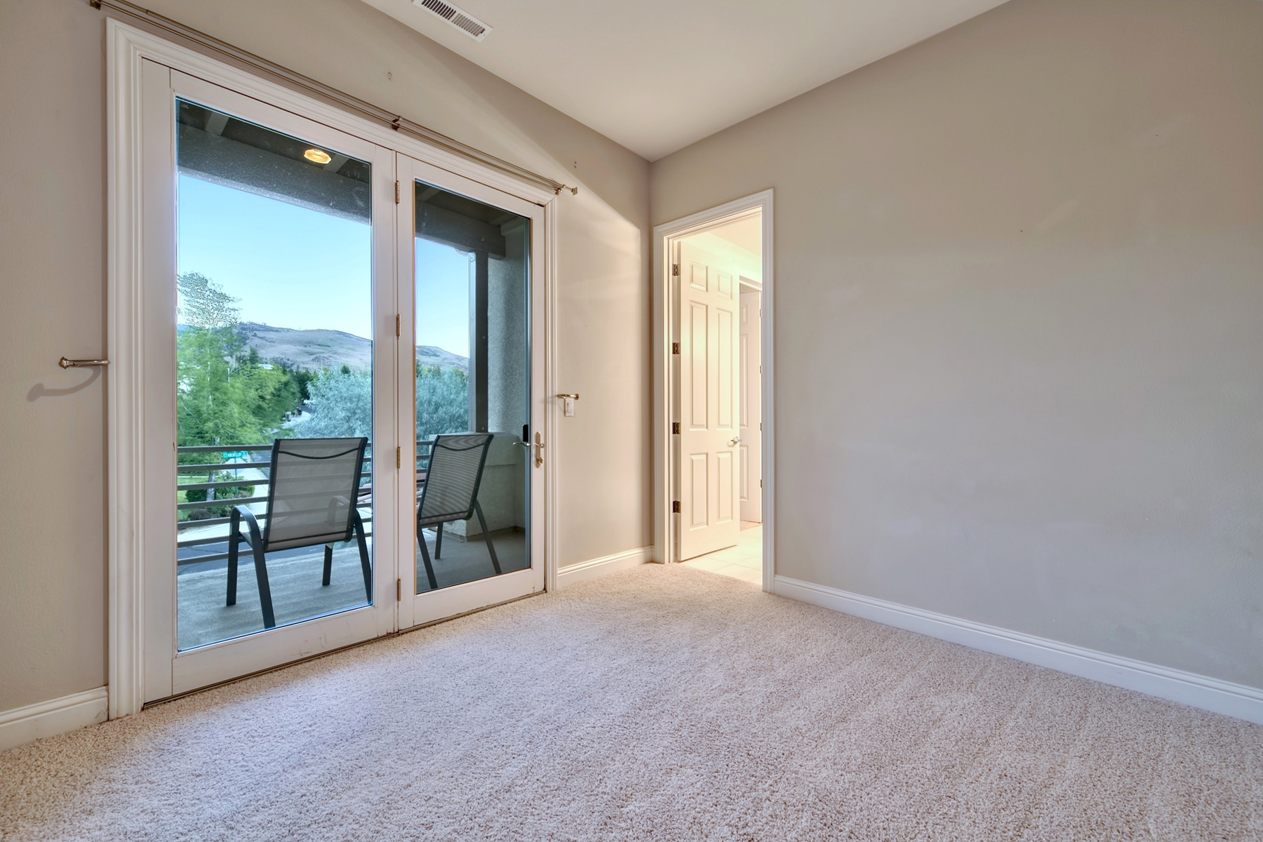 Additional photo for property listing at 4770 Aberfeldy Road, Reno, Nevada 4770  Aberfeldy Road Reno, Nevada 89519 United States