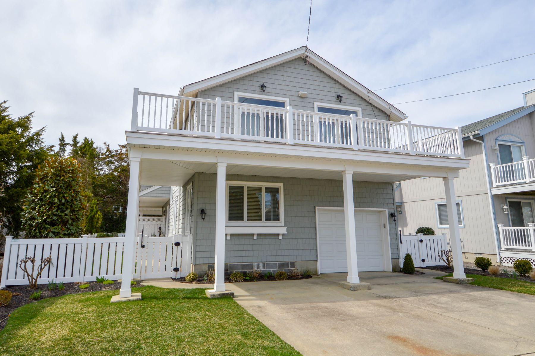 Частный односемейный дом для того Продажа на Inviting Beach Retreat 165 99th Street, Stone Harbor, Нью-Джерси 08247 Соединенные Штаты