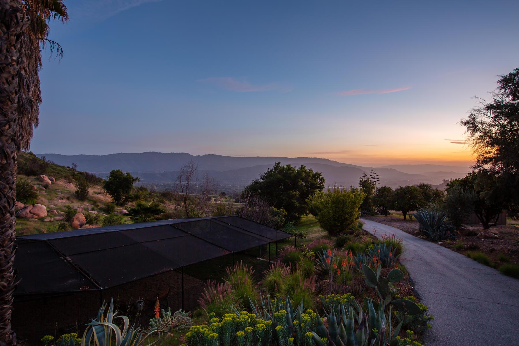 Single Family Homes para Venda às Once Upon A Time a Legacy Property 3191 Ladera Road, Ojai, Califórnia 93023 Estados Unidos