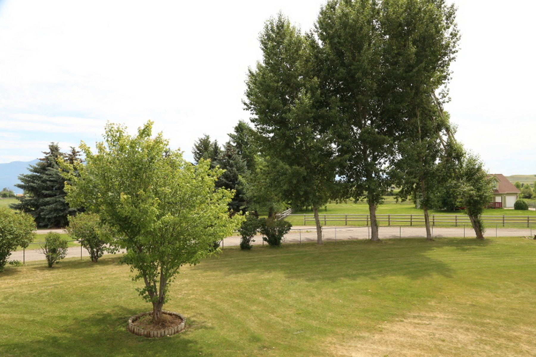 Additional photo for property listing at 40368 Briarwood Cir , Polson, MT 59860 40368  Briarwood Cir Polson, Montana 59860 United States