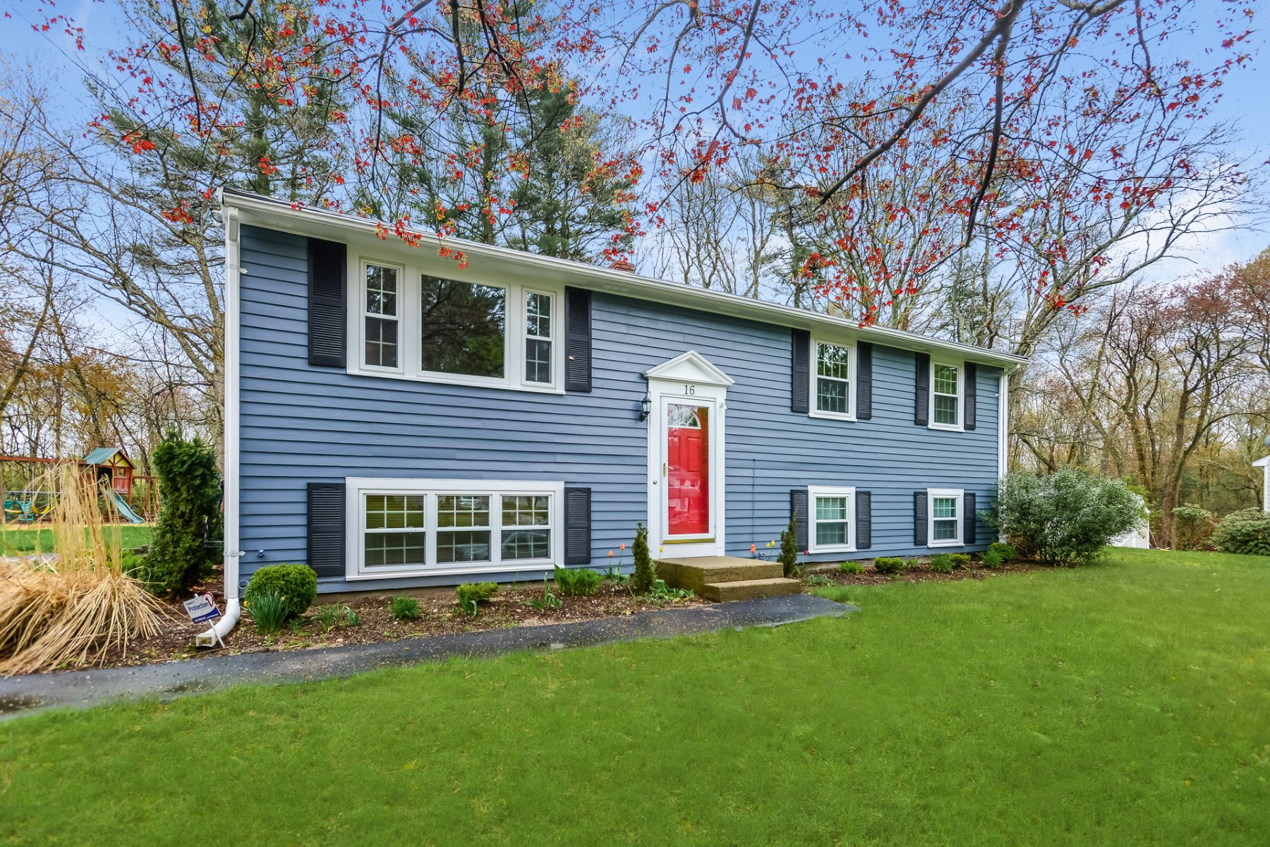 Single Family Homes for Active at 16 Tall Tree Rd Sharon, Massachusetts 02067 United States