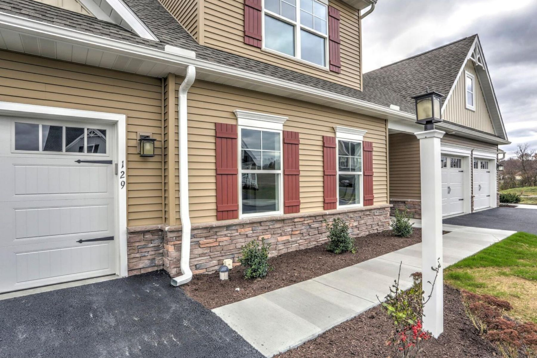 Single Family Homes for Sale at 129 Canvasback Lane Lot 14 Elizabethtown, Pennsylvania 17022 United States