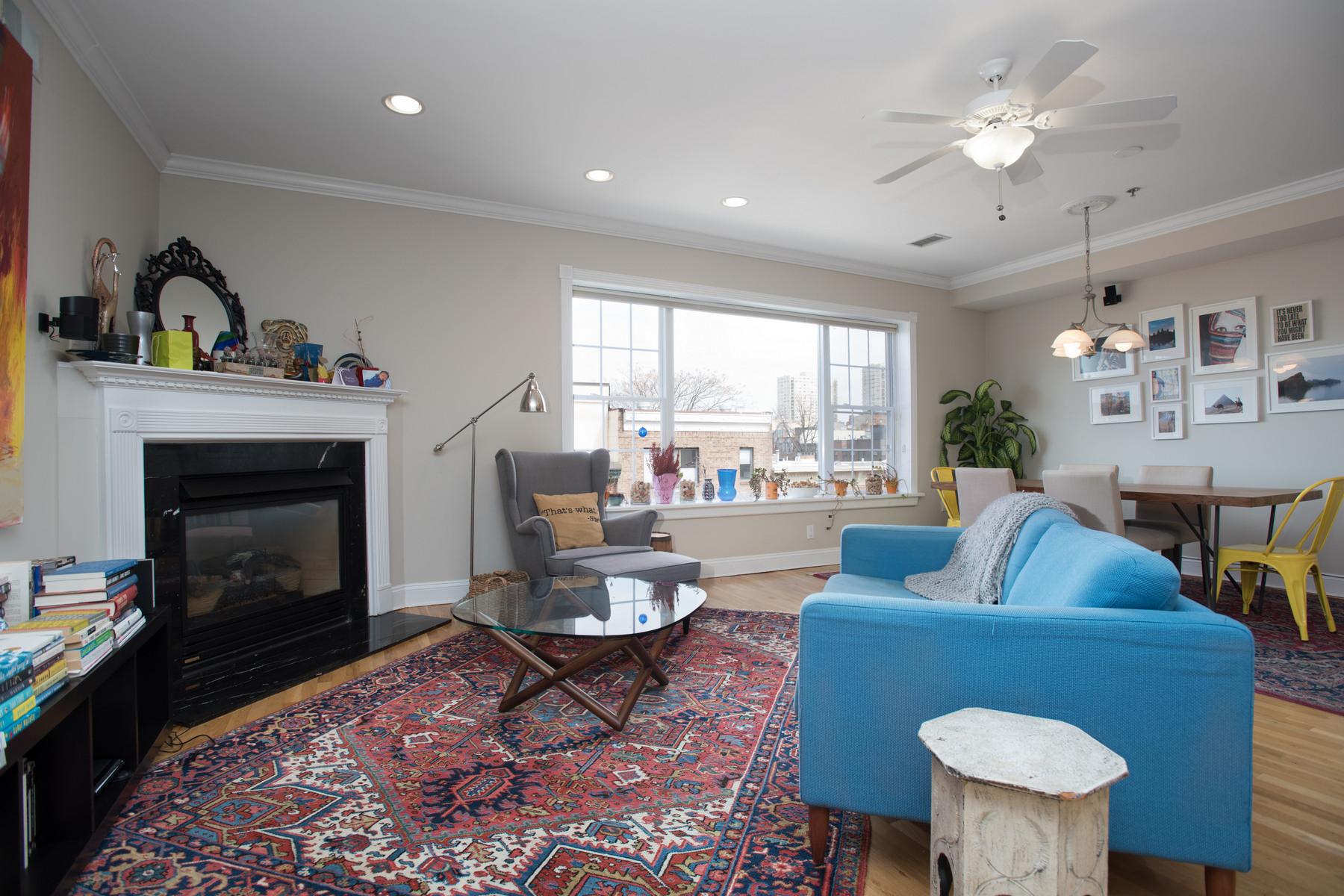Appartement en copropriété pour l à louer à Downtown Park Ave 2BR Penthouse! 99 Park Ave #5D Hoboken, New Jersey 07030 États-Unis