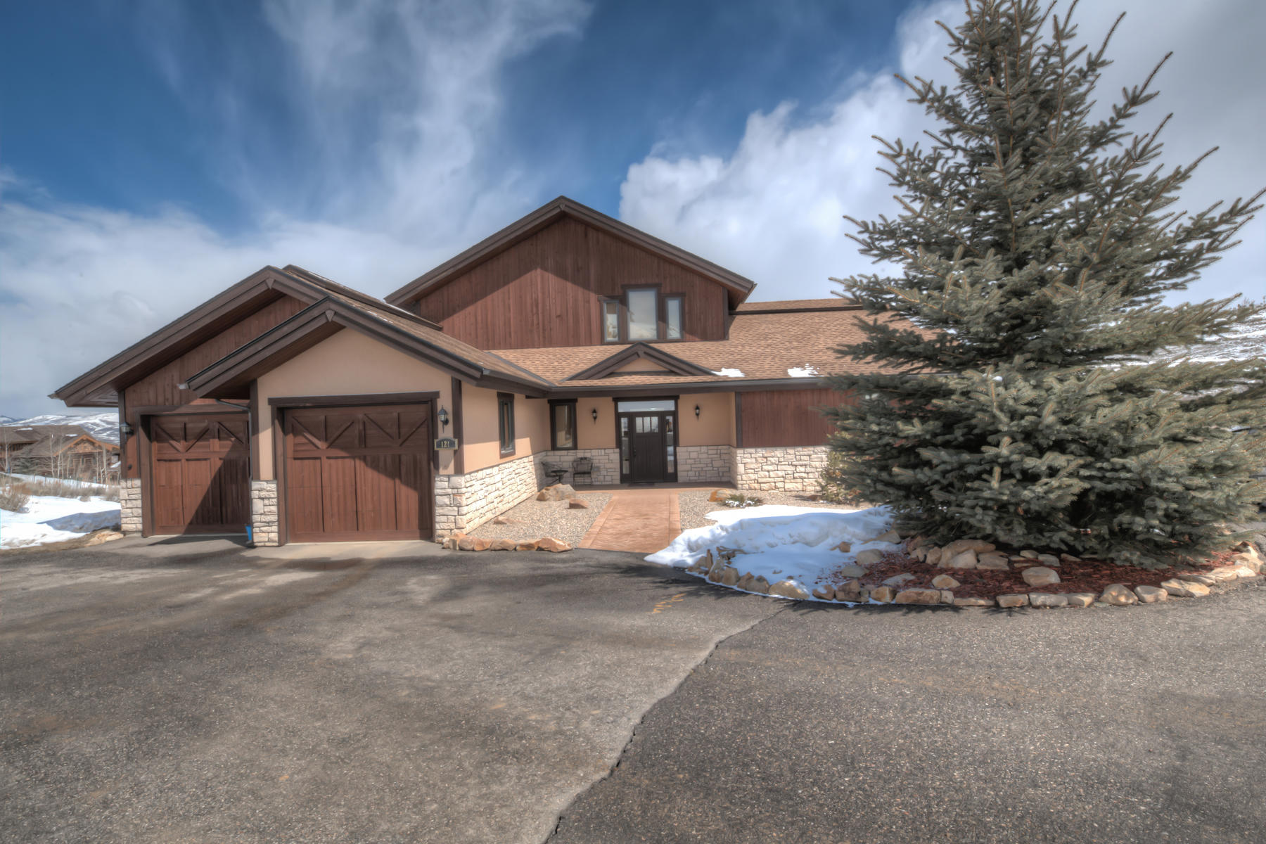 Single Family Homes for Sale at Beautiful Home in Innsbruck-Val Moritz 121 GCR 8950 Granby, Colorado 80446 United States